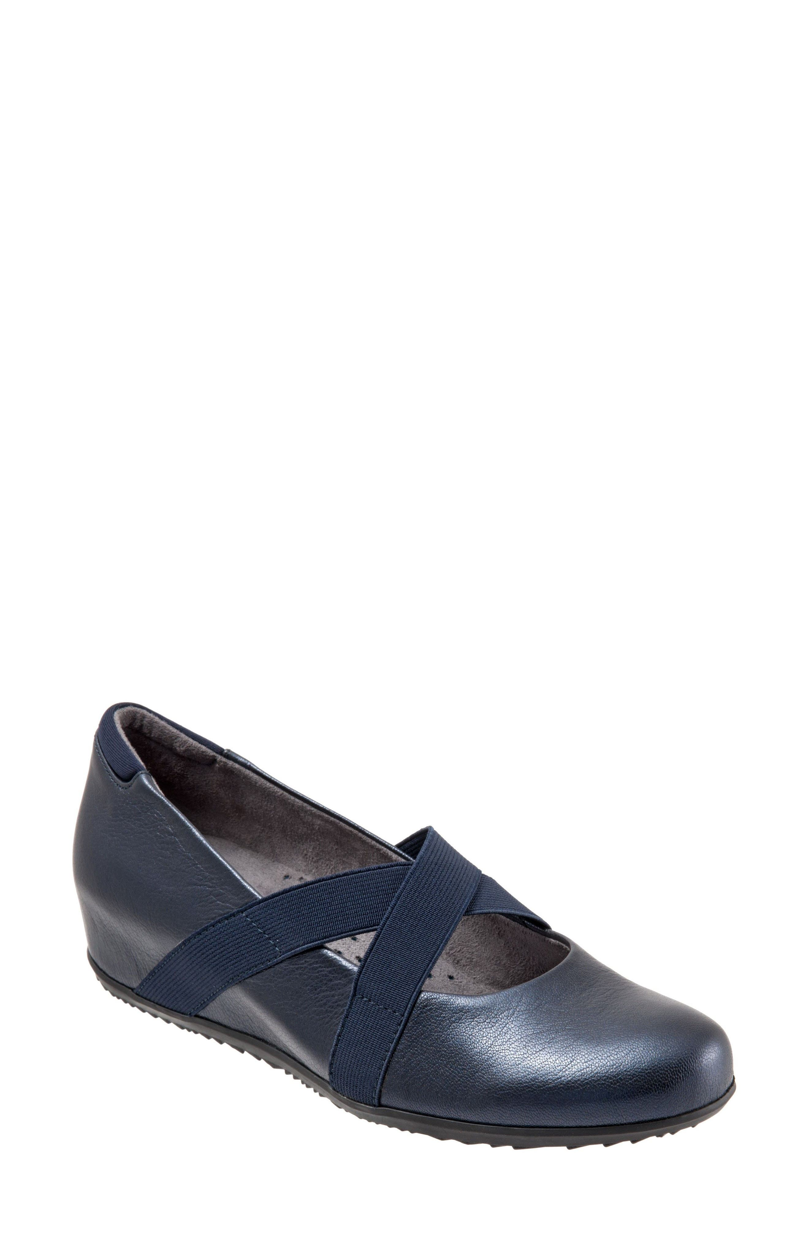 Alternate Image 1 Selected - SoftWalk® Waverly Mary Jane Wedge (Women)