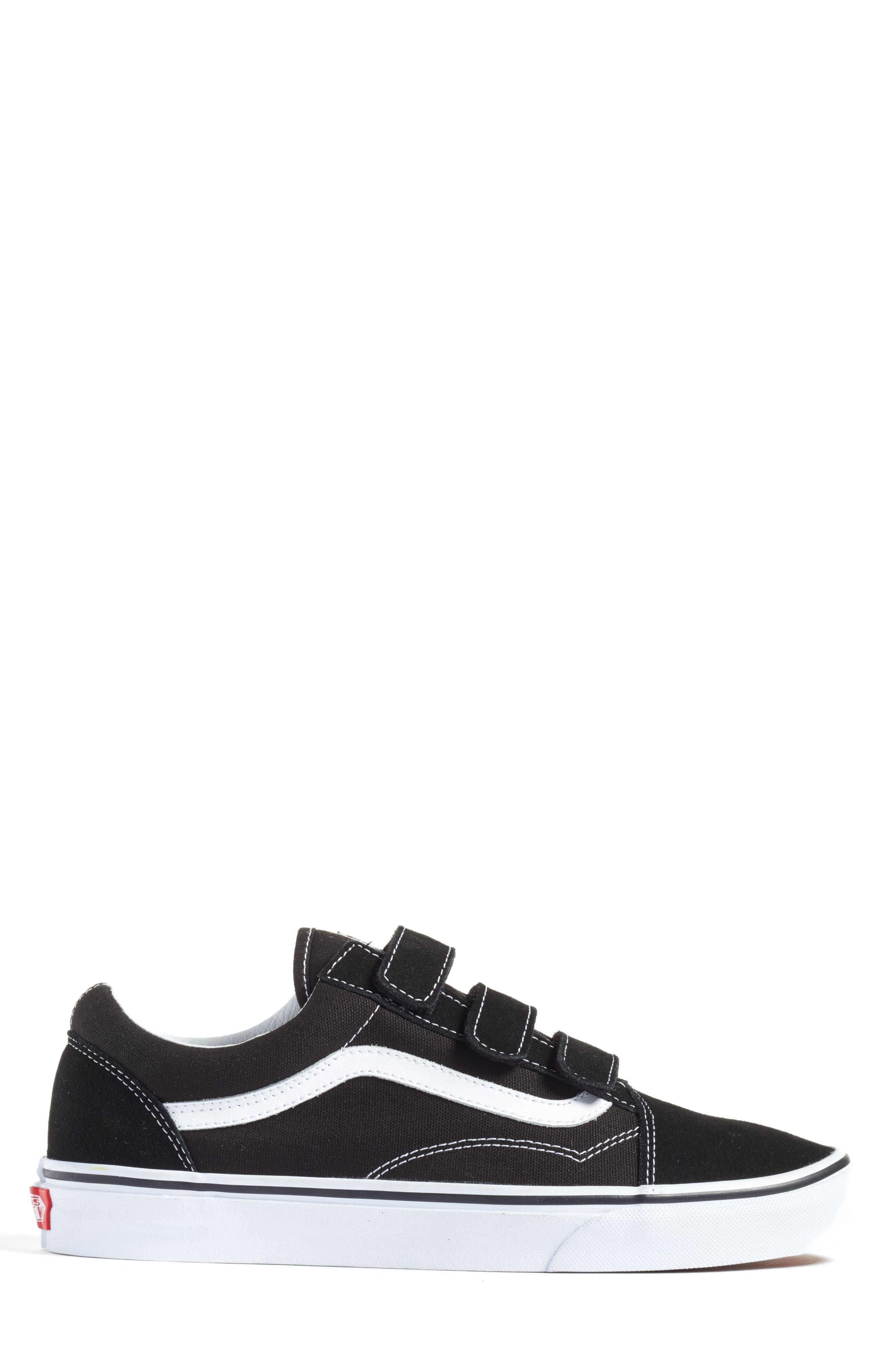 Alternate Image 3  - Vans Old Skool V-Sneaker (Men)