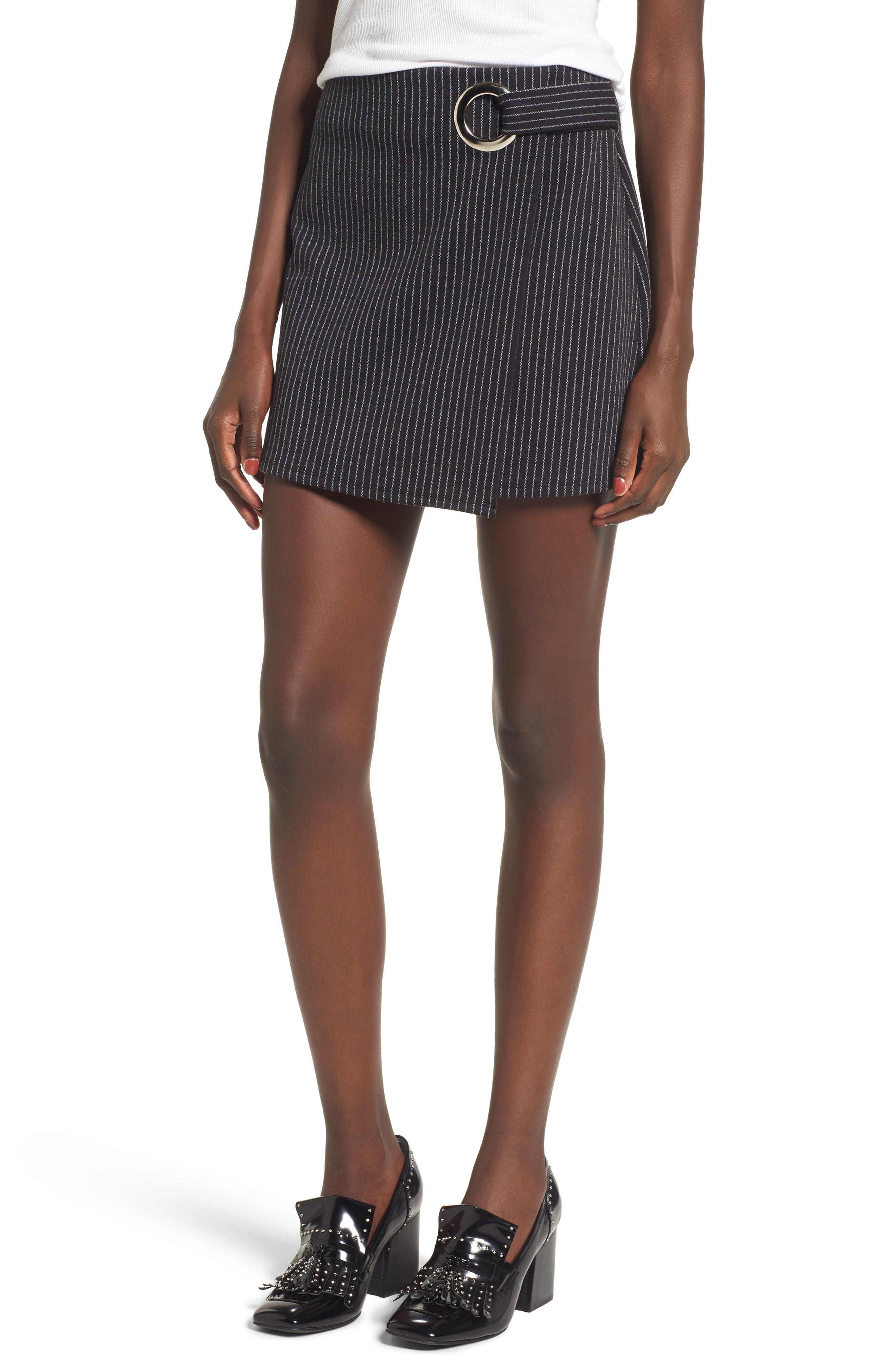 Main Image - Leith Grommet Pencil Skirt