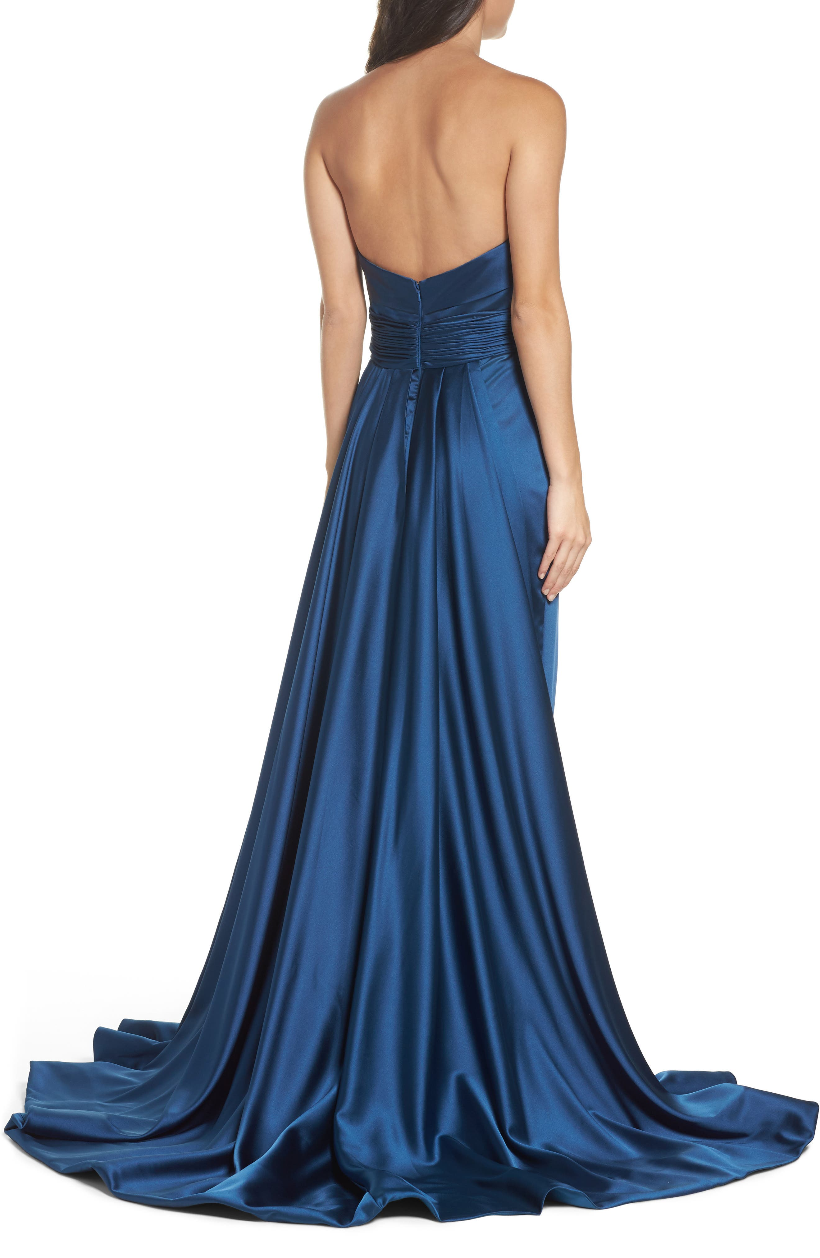 Alternate Image 2  - Mac Duggal Ruched Strapless Satin Gown