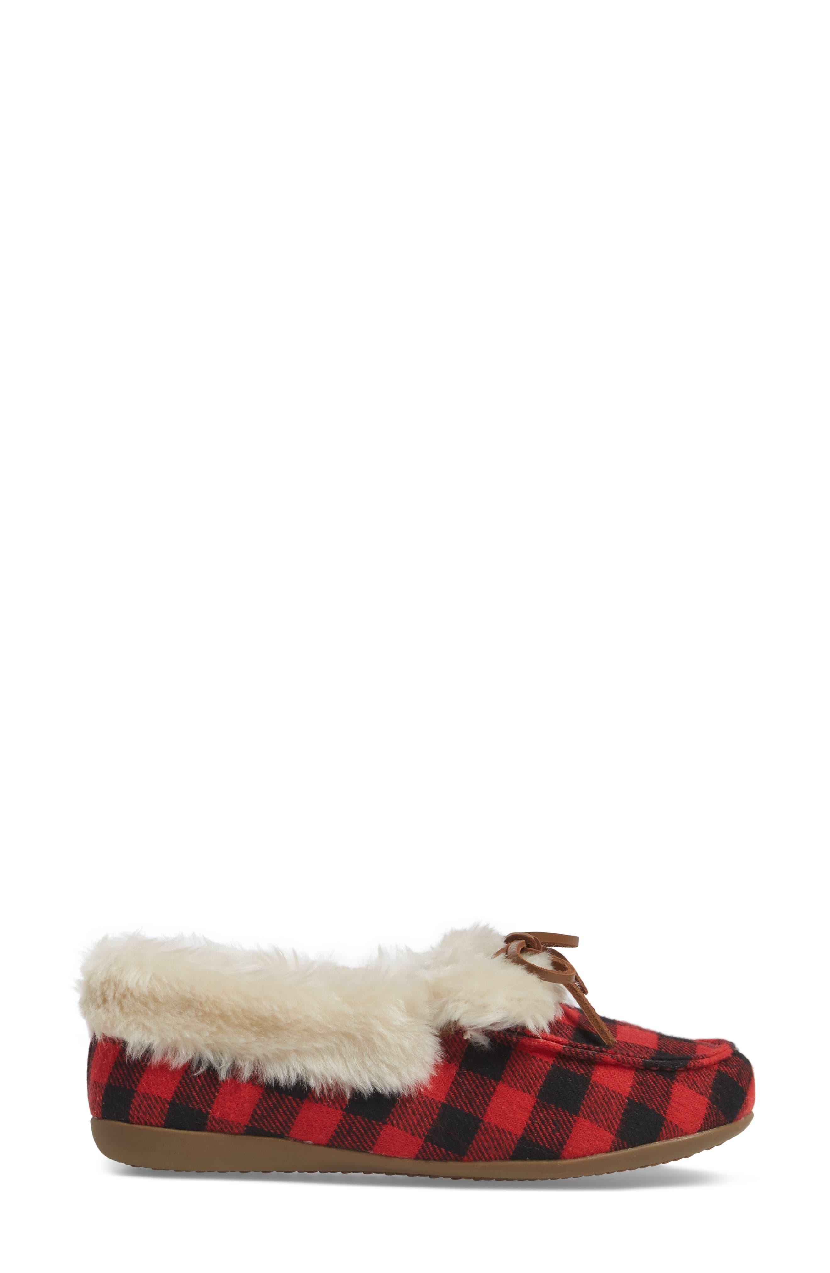 Juniper Faux Fur Slipper,                             Alternate thumbnail 3, color,                             Black Red Textile