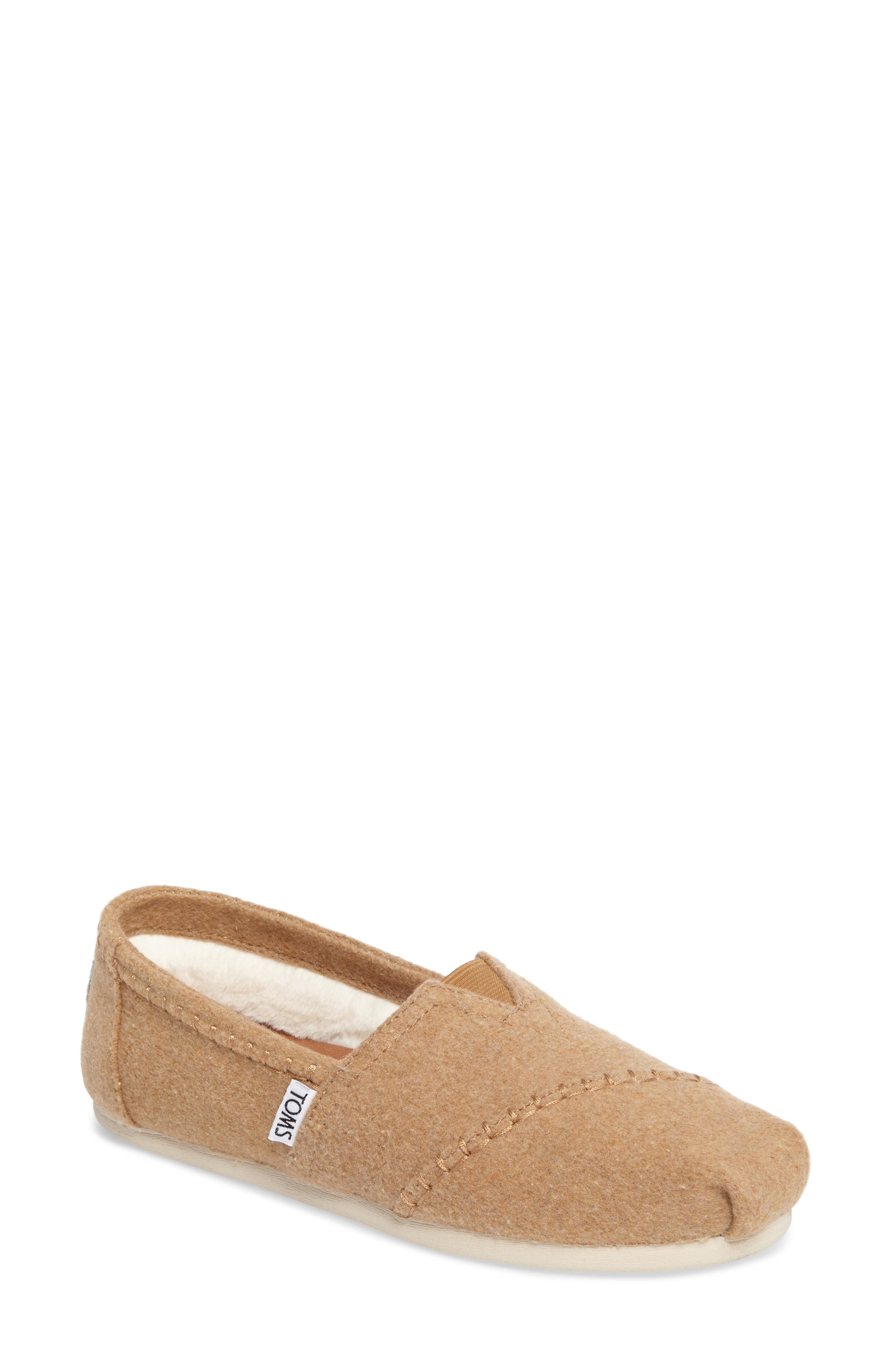 Women'S Classic Embroidered Reindeer Jersey Flats in Toffee