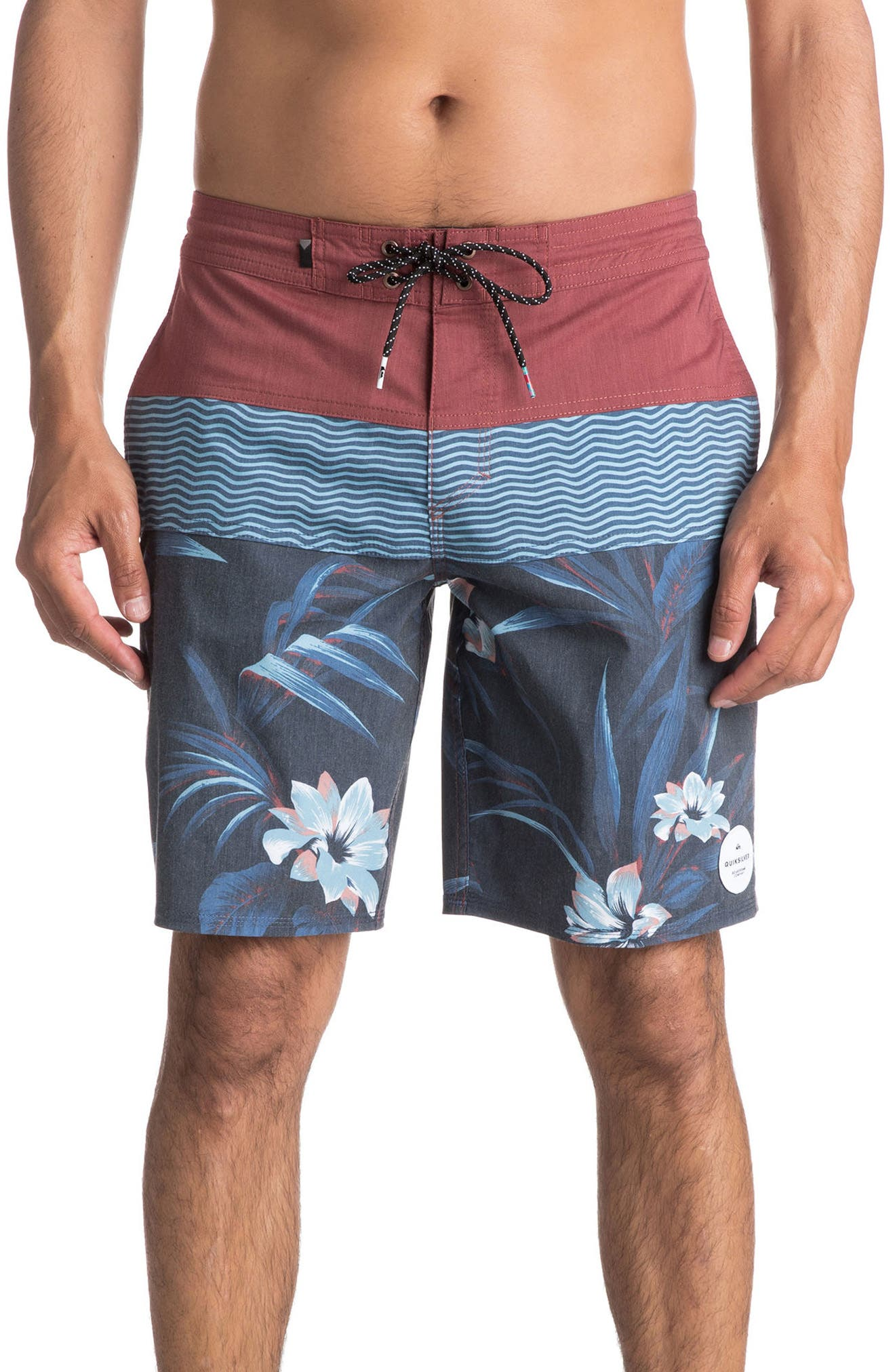 Alternate Image 1 Selected - Quiksilver Heatwave Blocked Board Shorts