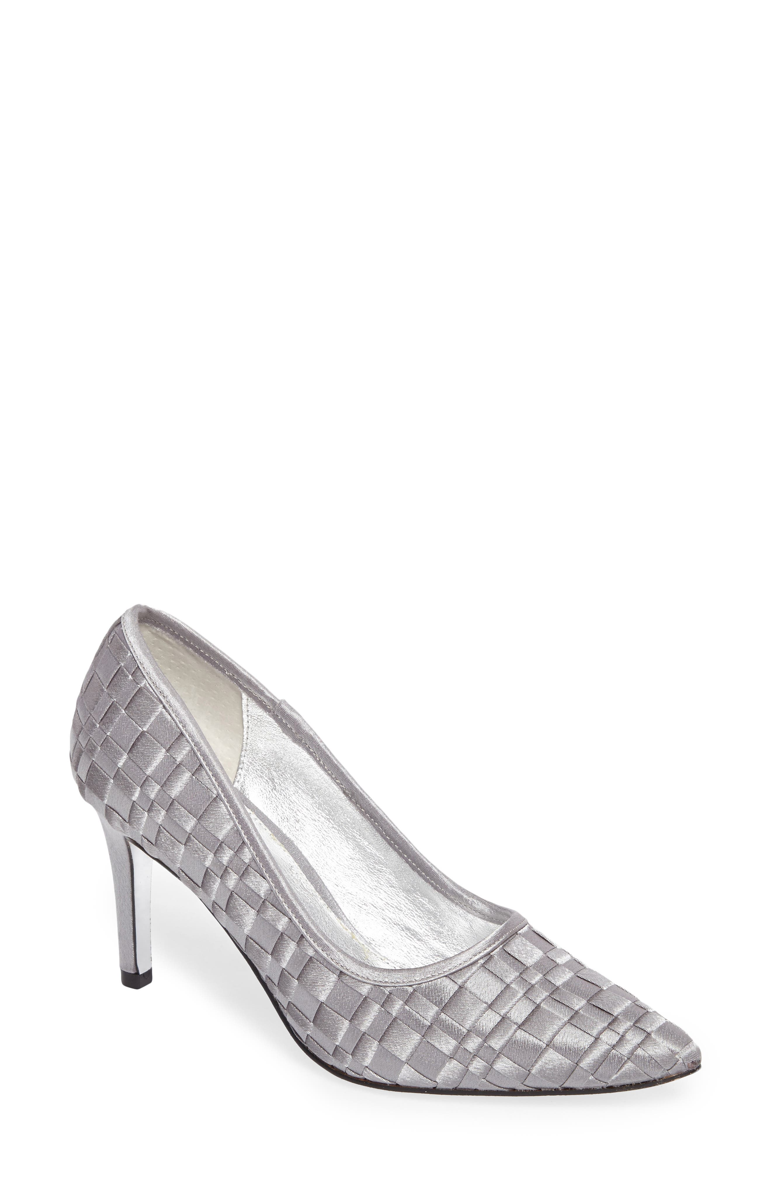 Adrianna Papell Hasting Pointy Toe Pump (Women)