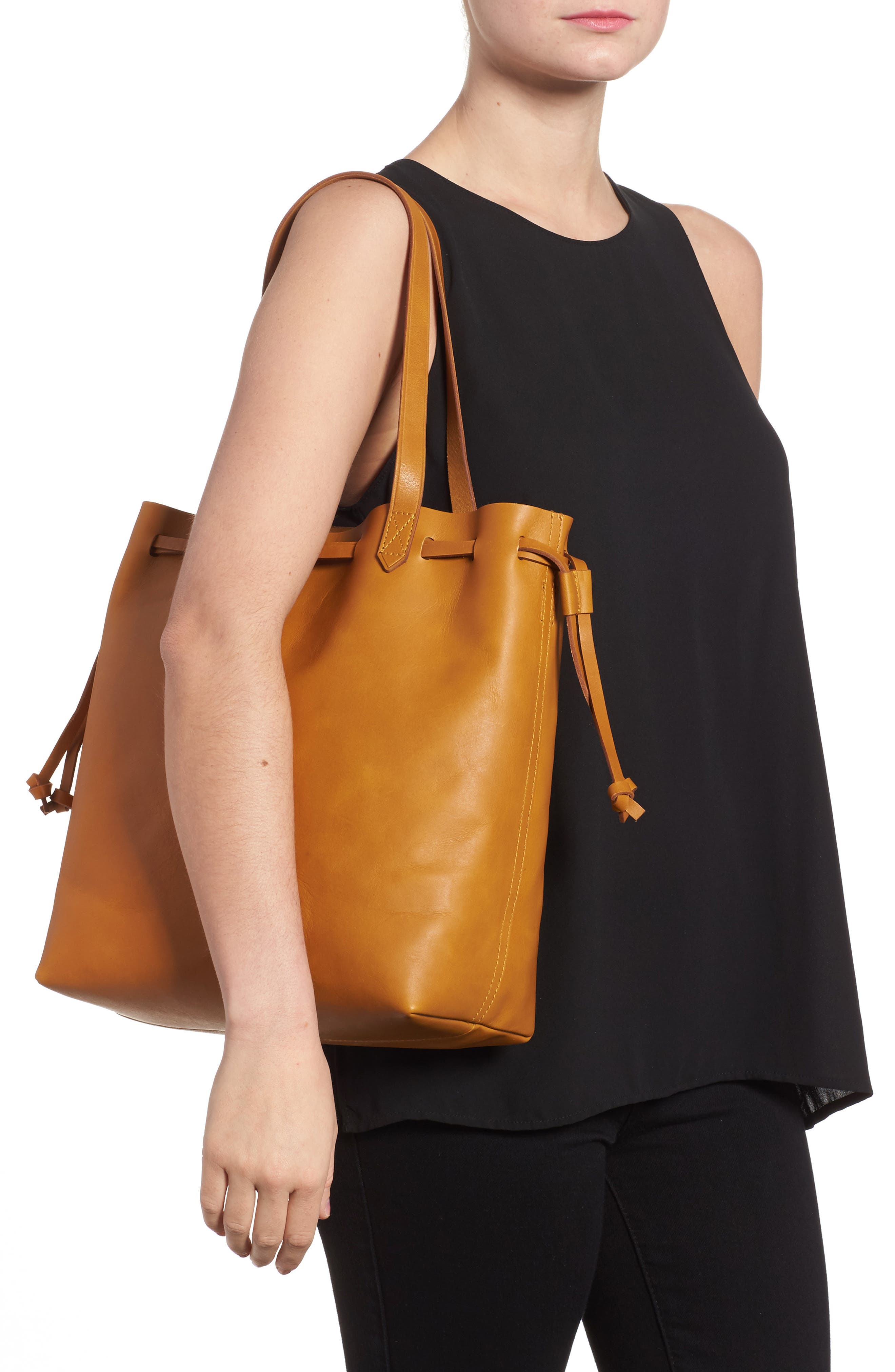 Alternate Image 2  - Madewell Drawcord Transport Leather Tote