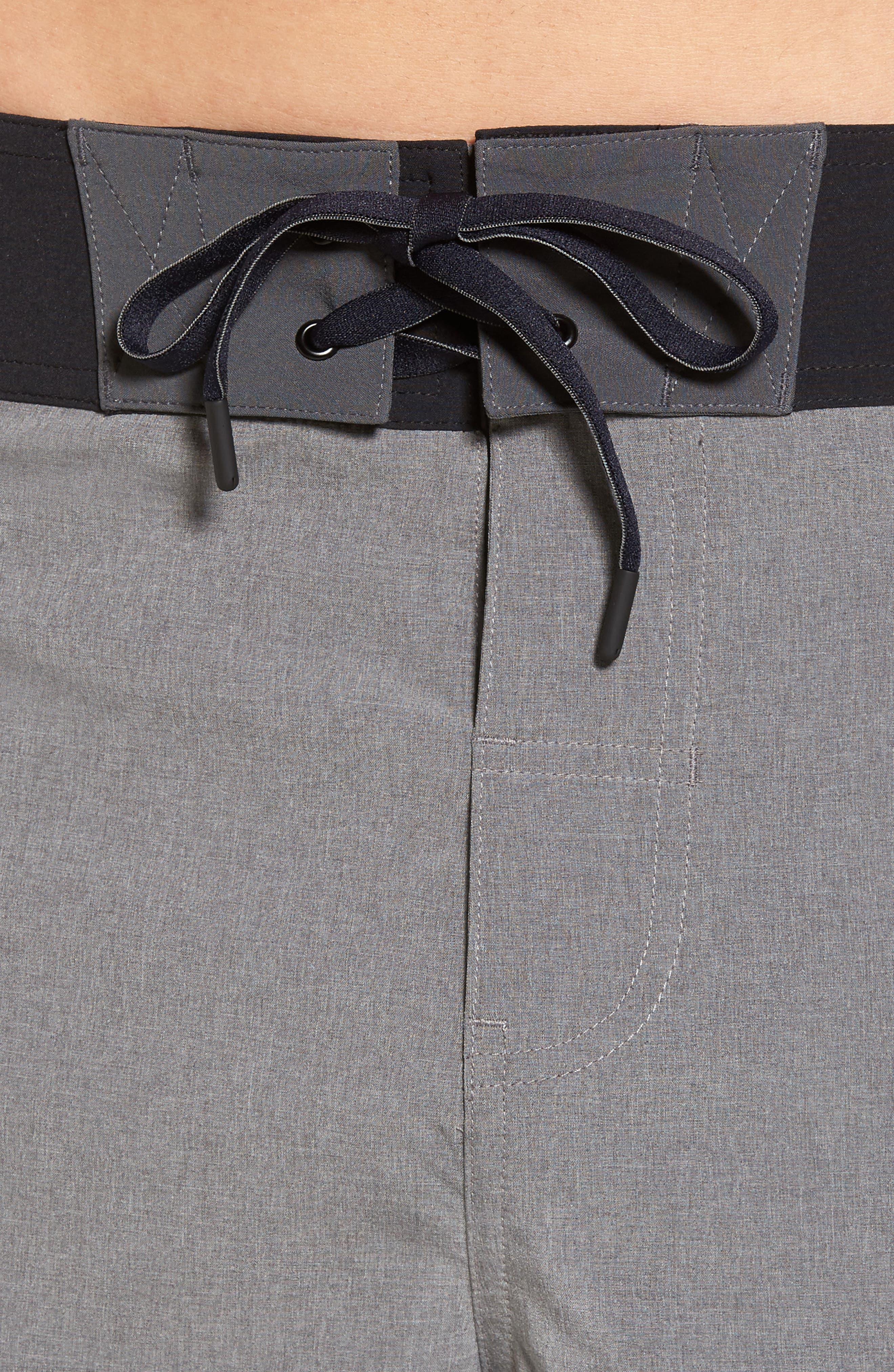 Alternate Image 4  - Beachbody Flex Hybrid Athletic Shorts