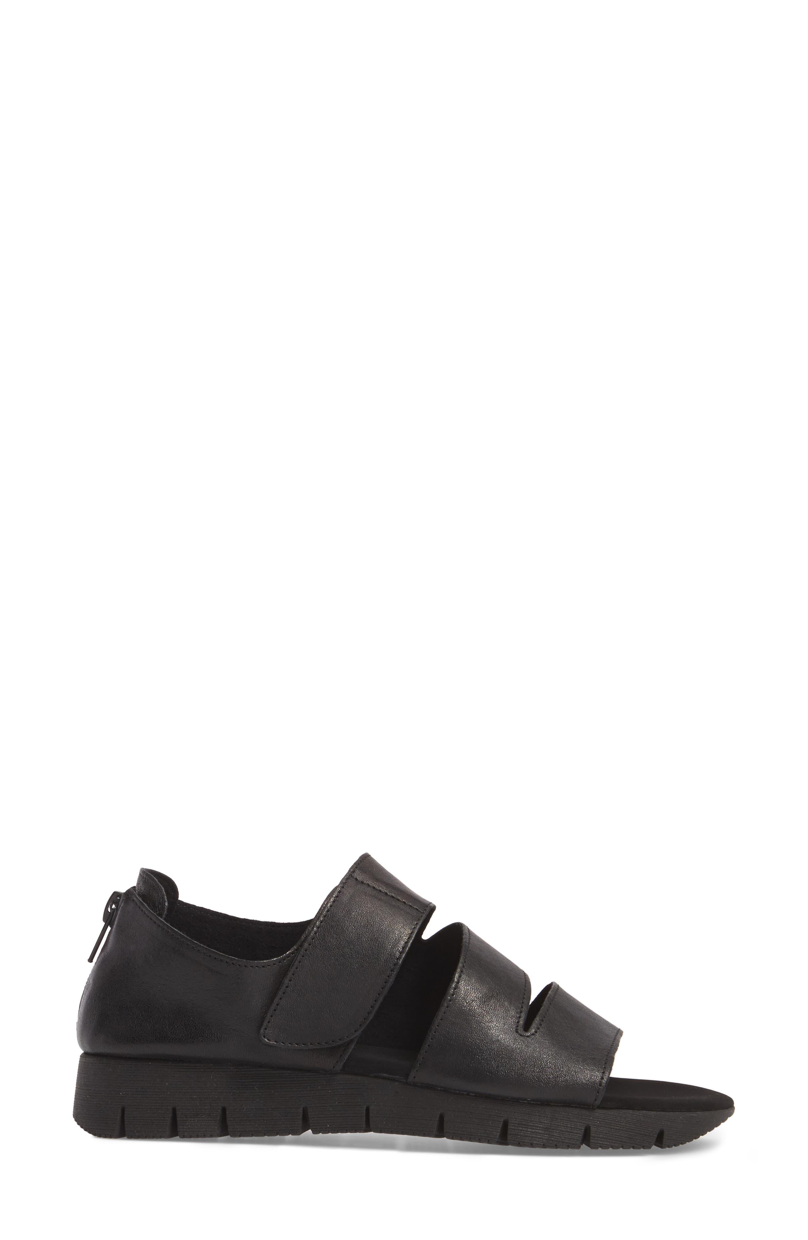 Tango Sandal,                             Alternate thumbnail 3, color,                             Black Rock/ Tory Black Rubber