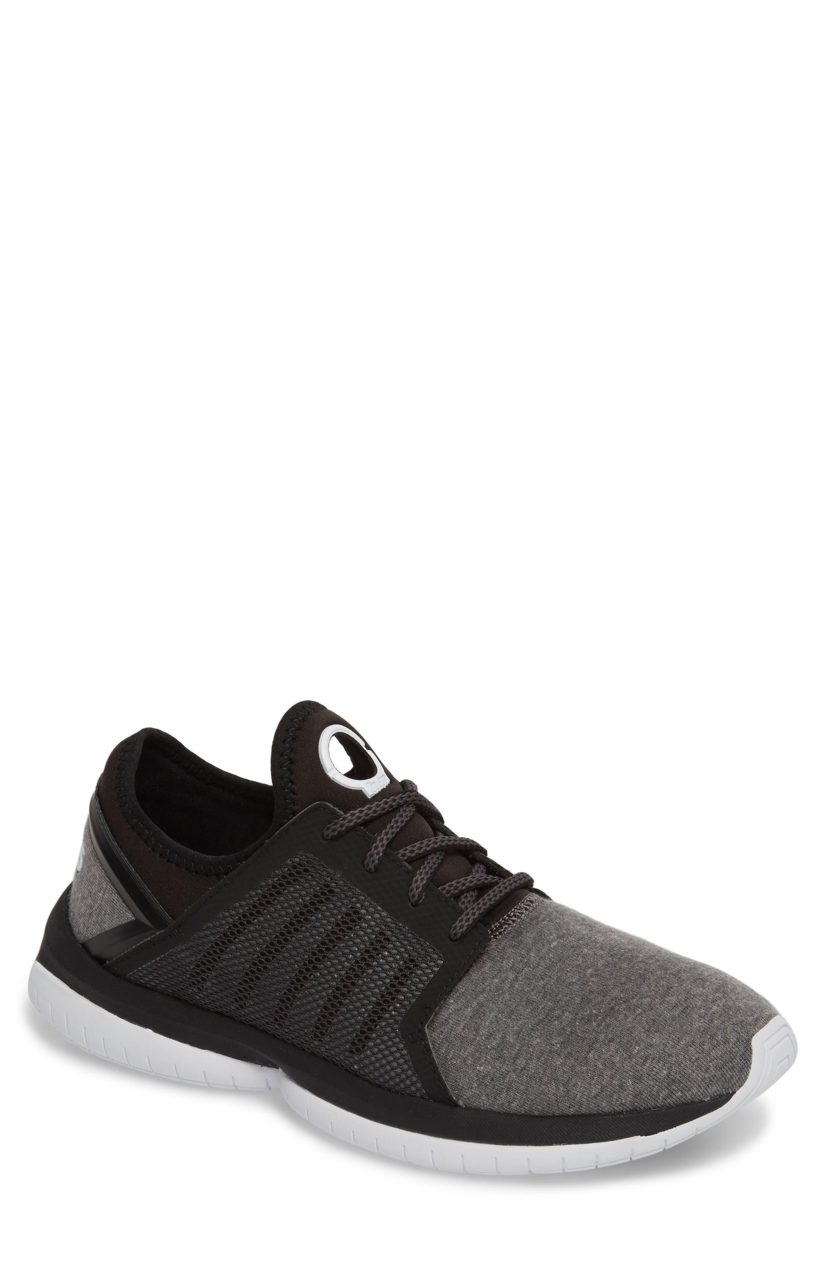 K-SWISS Tubes Millennia Sneaker in Black/ White