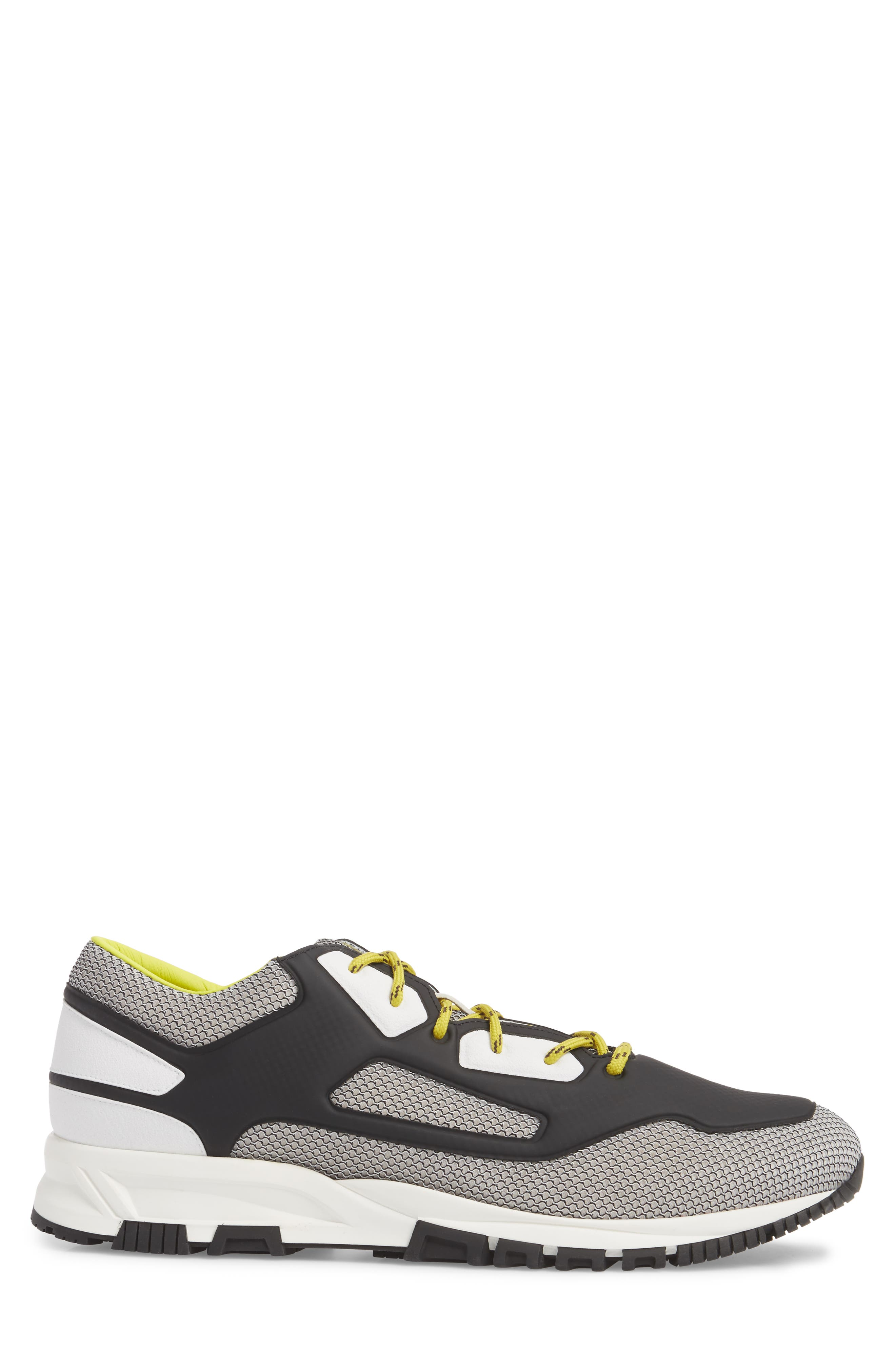 High Frequency Mesh Running Shoe,                             Alternate thumbnail 3, color,                             Grey