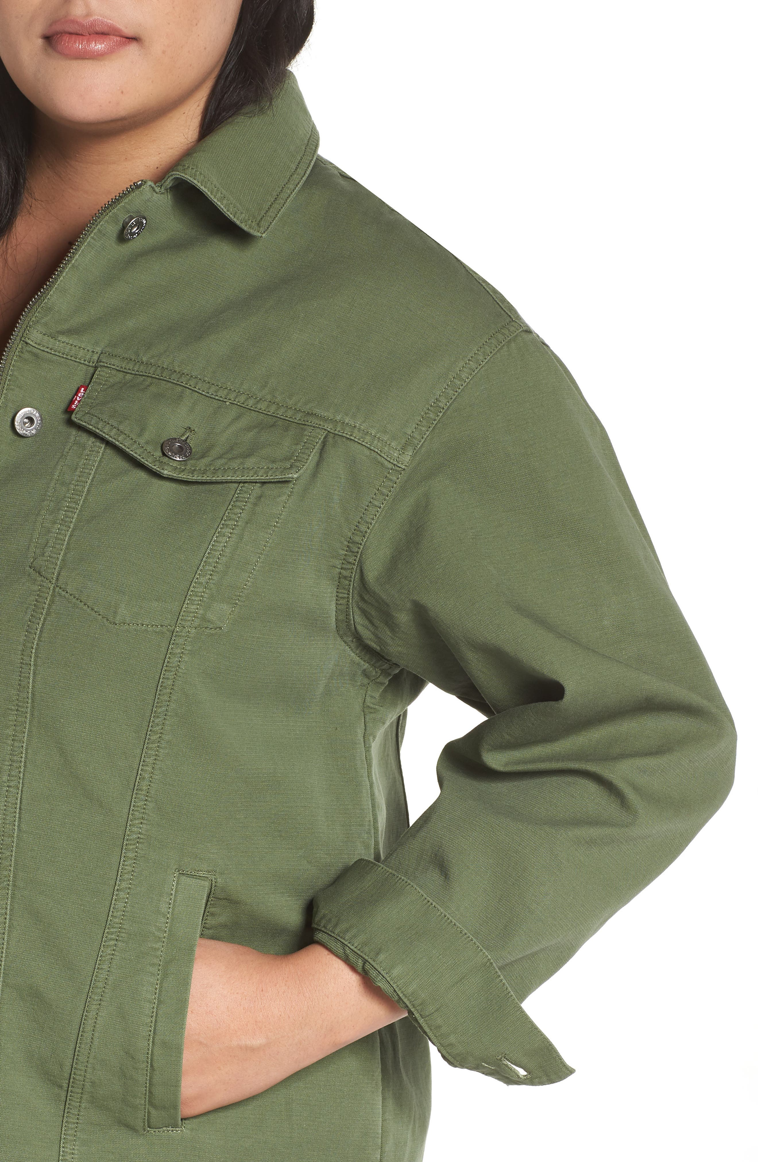 Alternate Image 4  - Levi's® Oversize Cotton Canvas Trucker Jacket (Plus Size)