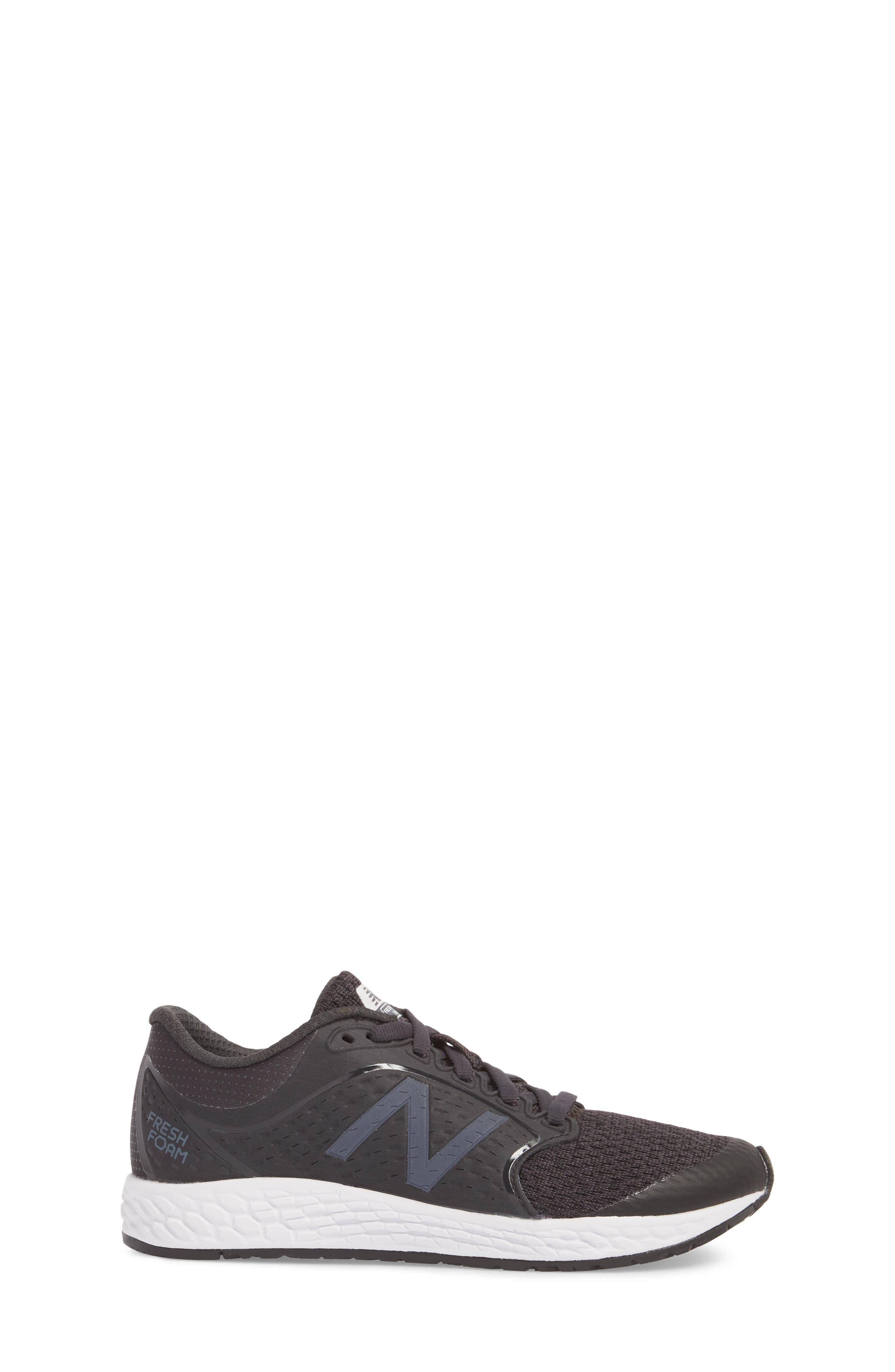 Fresh Foam Zante v4 Running Shoe,                             Alternate thumbnail 3, color,                             Black/ White