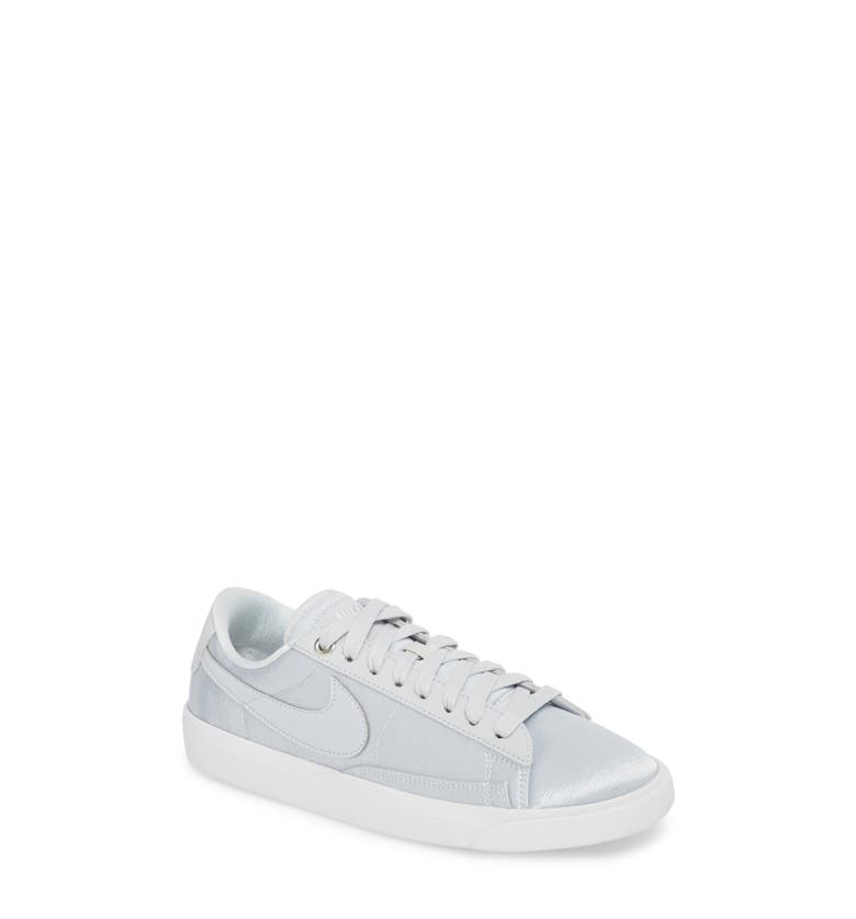 reputable site 0bfbc 26554 Nike Blazer Low Top Sneaker Se In Pure Platinum  White