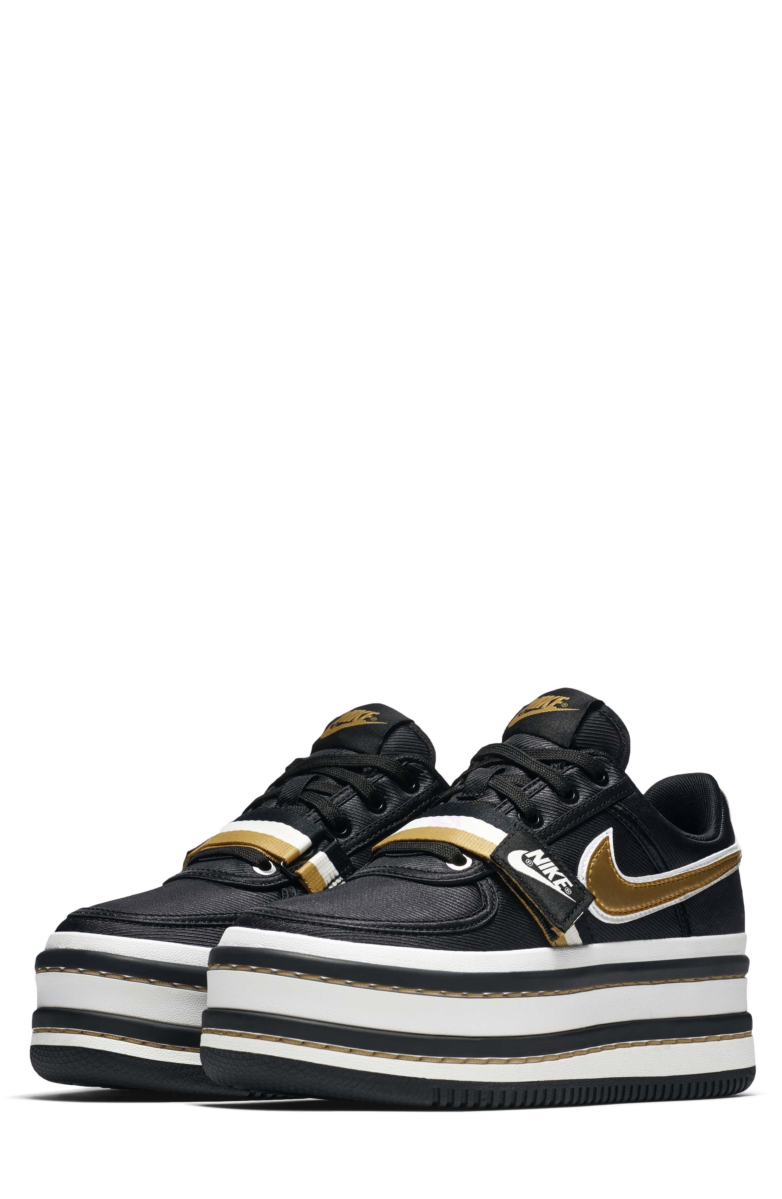 Nike Vandal 2K Sneaker (Women)