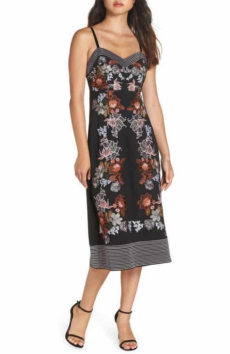 dd782a21b3e Foxiedox Retro Flower Embroidered Dress