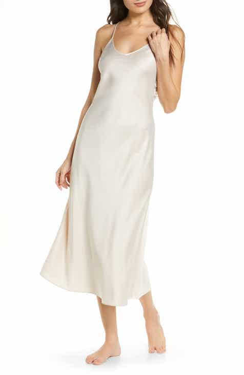 Rya Collection Kiss Appliqué Back Long Satin Nightgown
