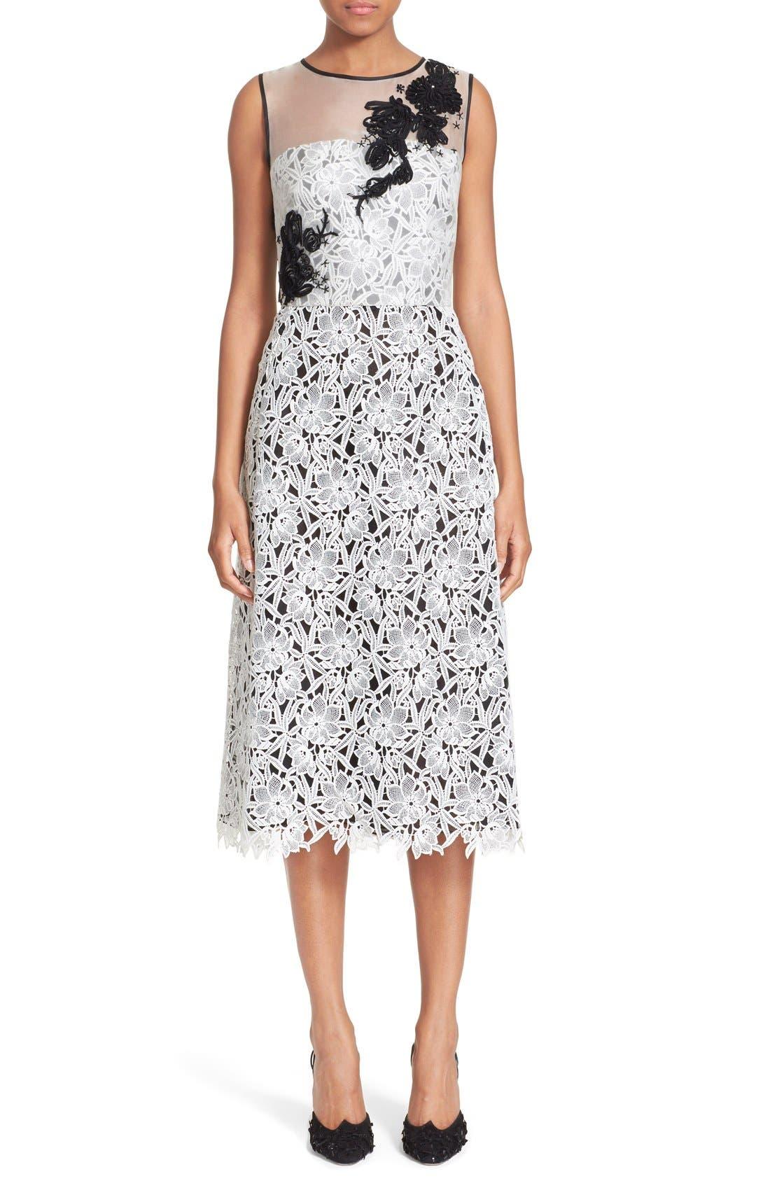 Main Image - Oscar de la Renta Embellished Floral Lace Dress