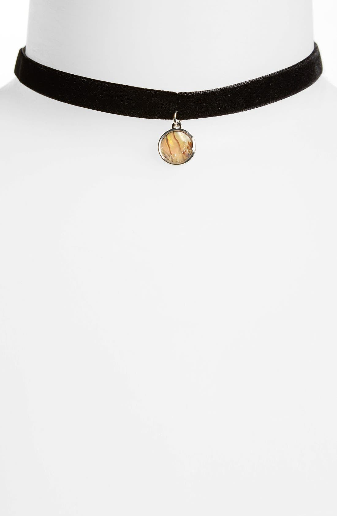 Alternate Image 1 Selected - Topshop Shell Charm Thin Velvet Choker