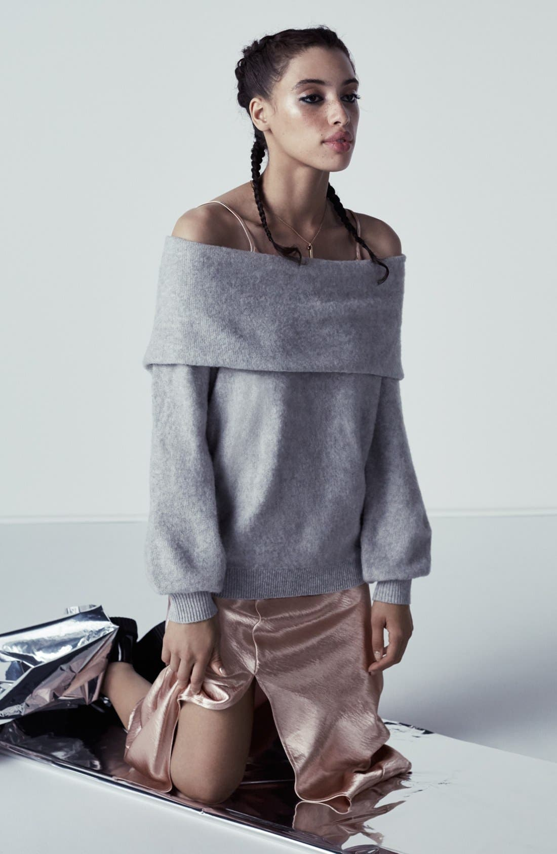 Alternate Image 7  - Leith Off the Shoulder Sweater
