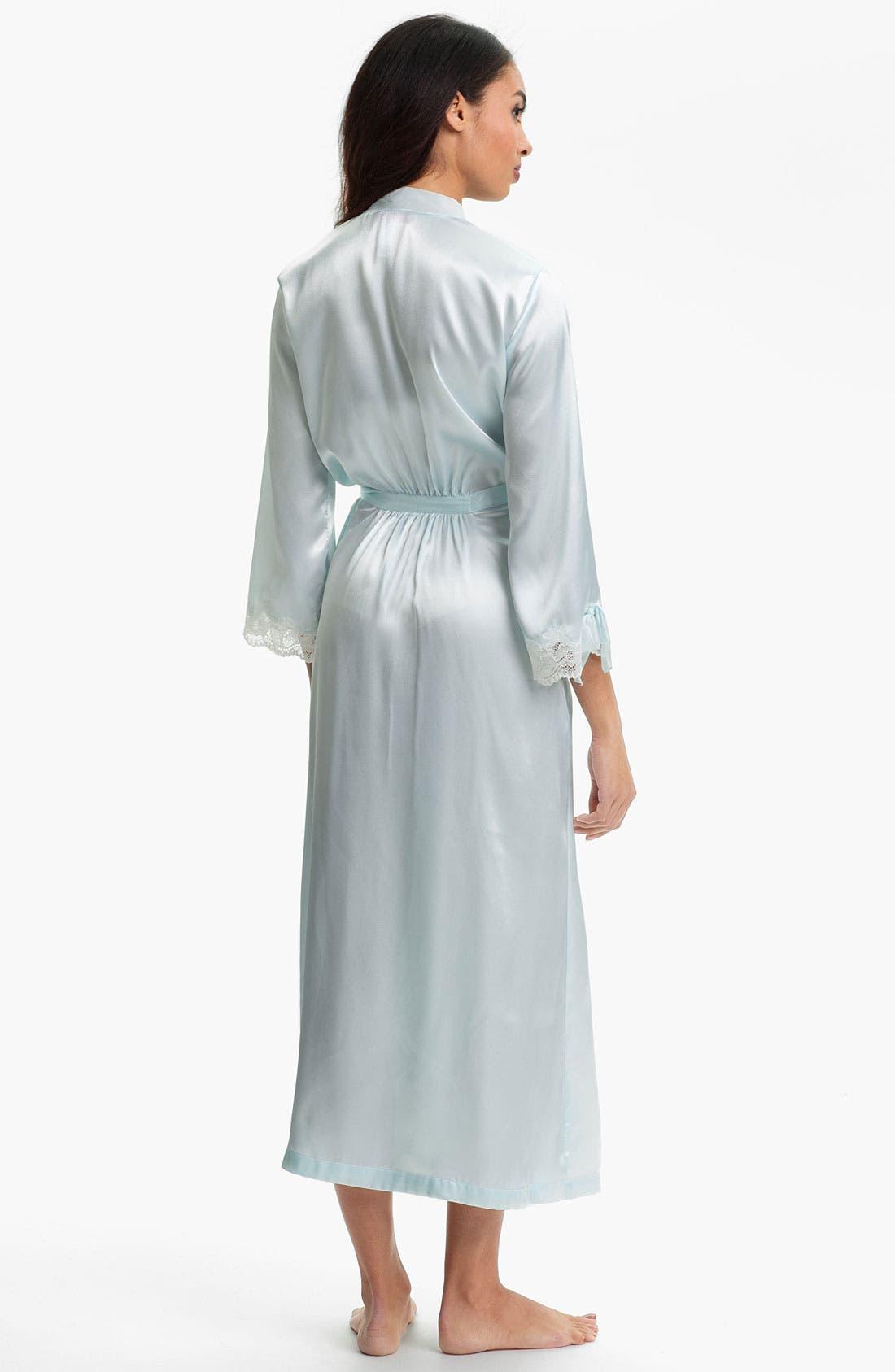 Alternate Image 2  - Oscar de la Renta Sleepwear Lace Trim Charmeuse Robe