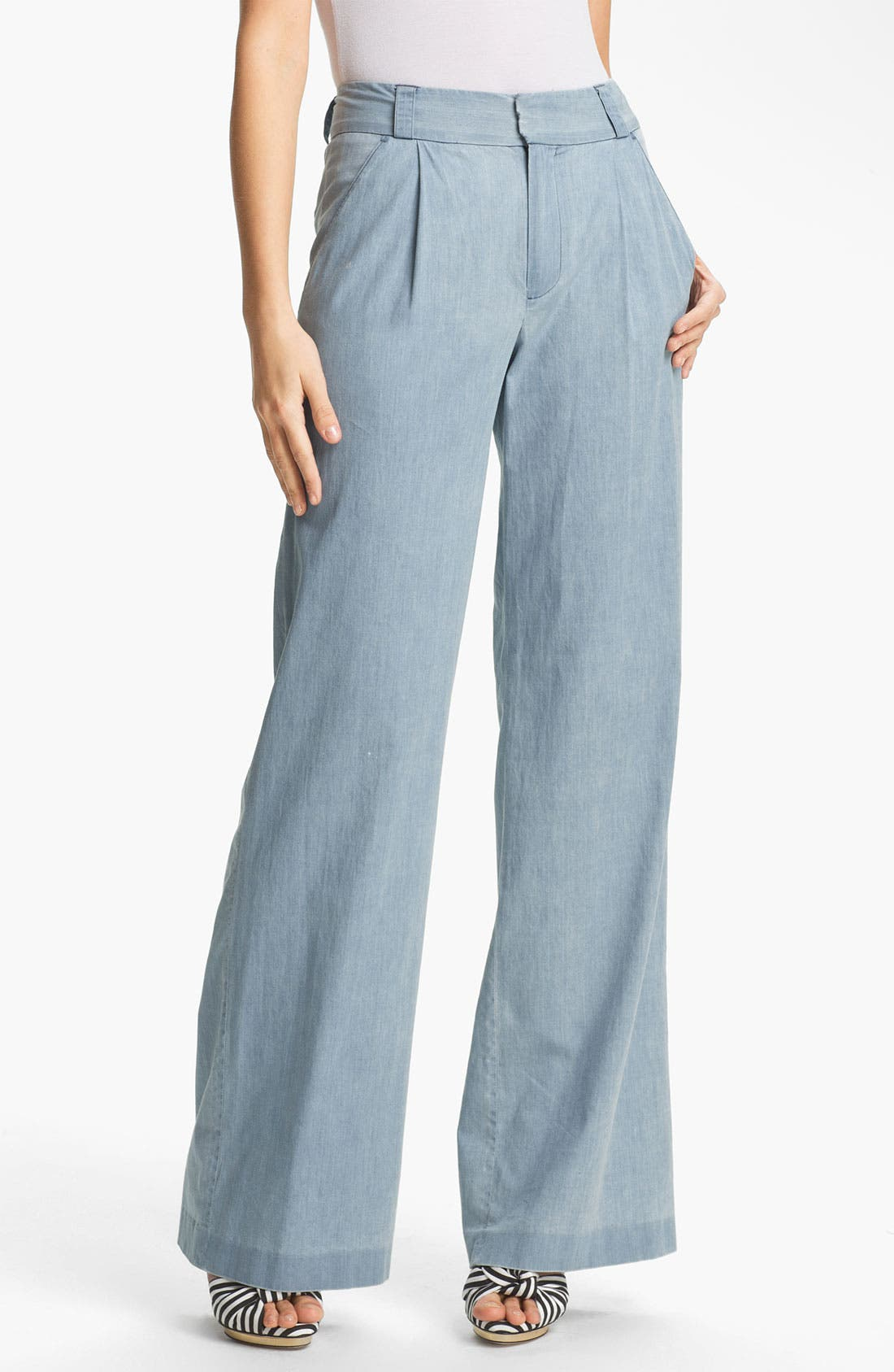 Main Image - Alice + Olivia 'Eric' Wide Leg Chambray Denim Pants