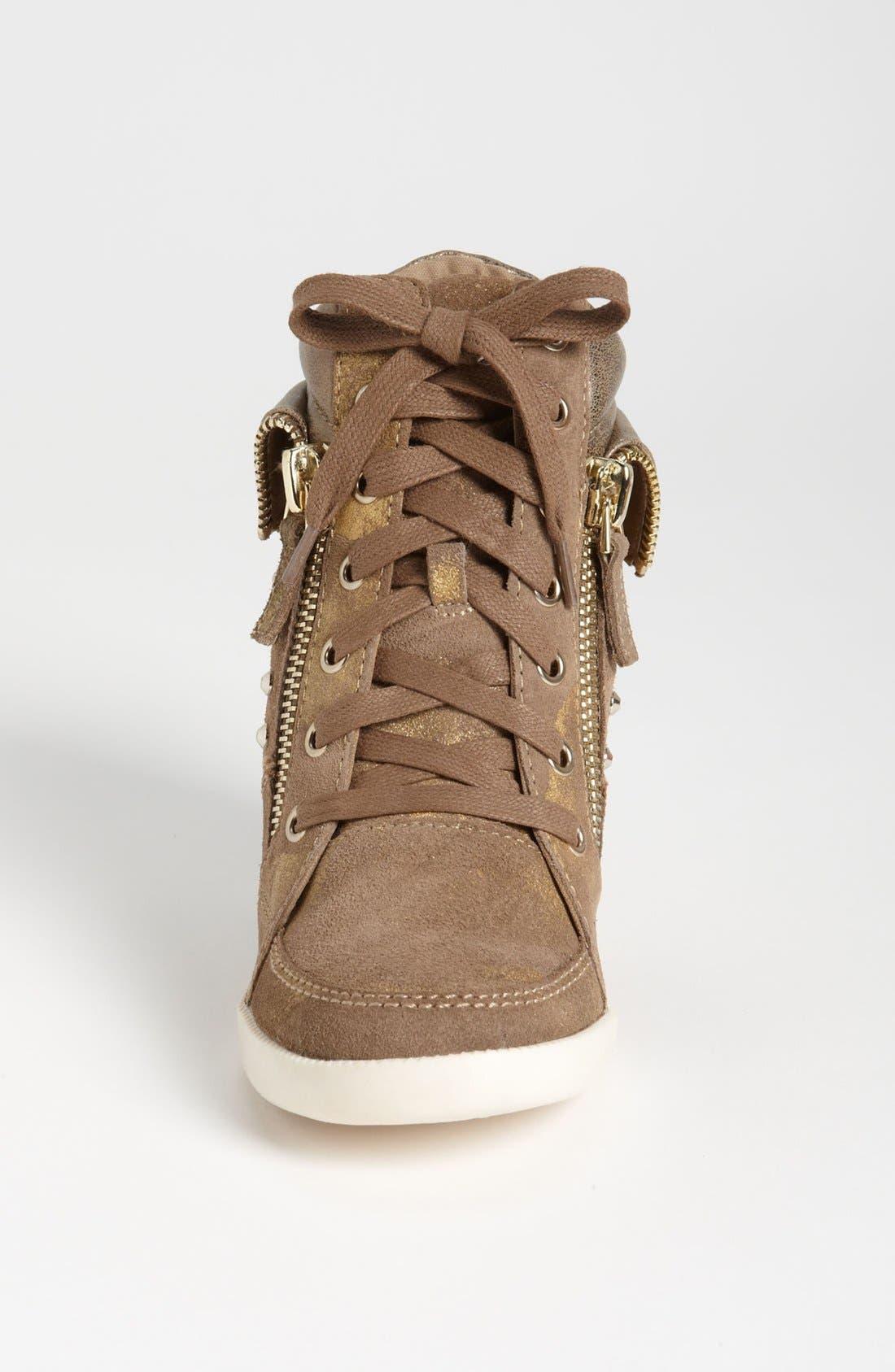 Alternate Image 3  - GUESS 'Hitzo' Sneaker