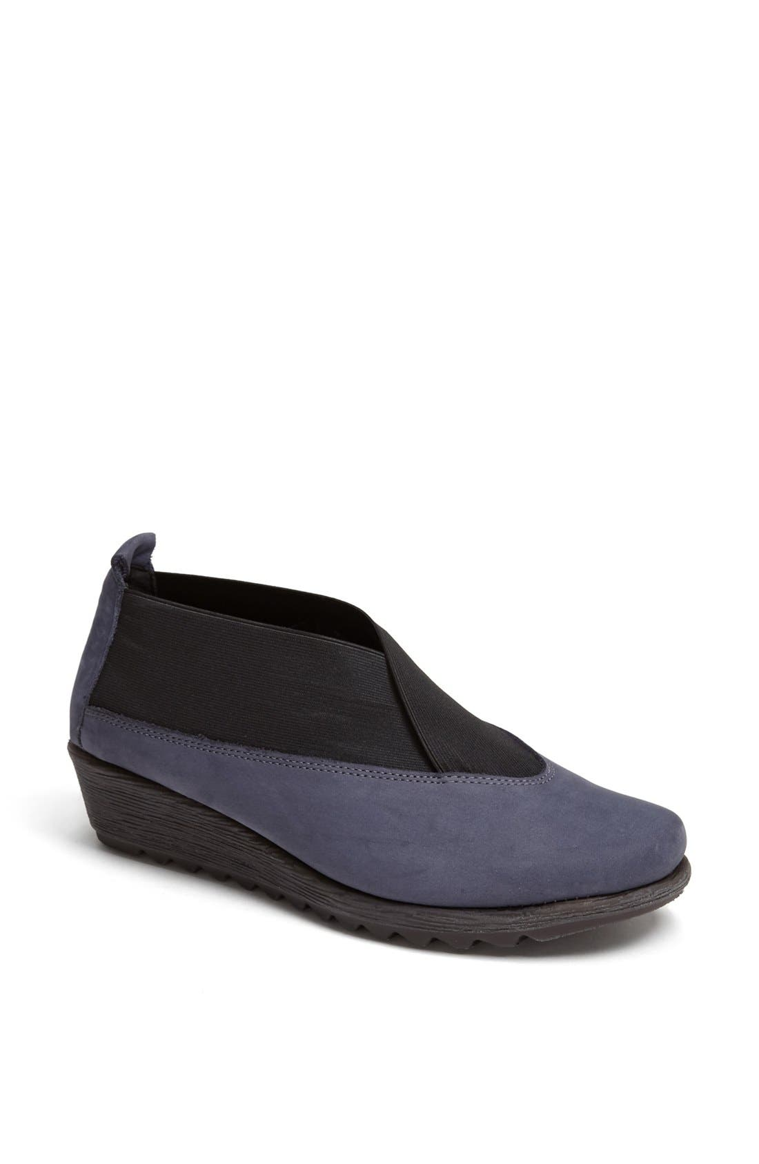 Alternate Image 1 Selected - The FLEXX 'Stretch Run' Slip-On
