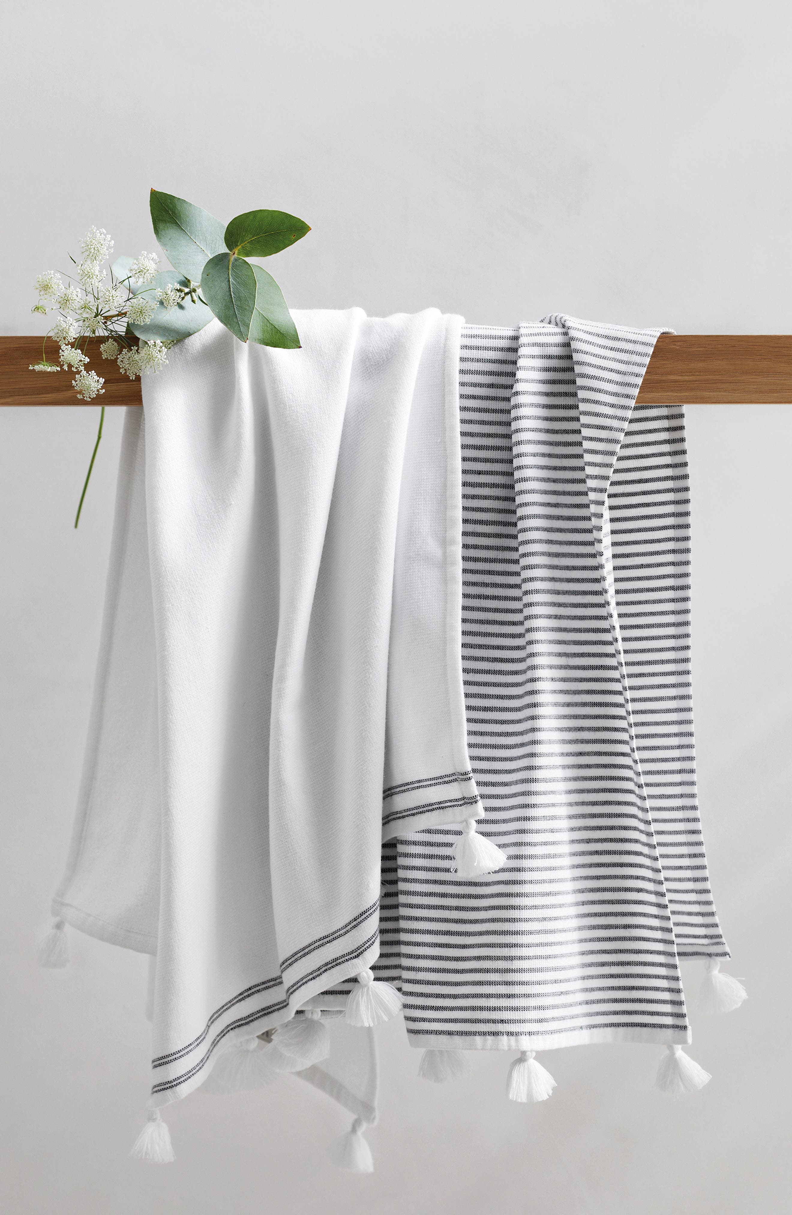 The White Company Suffolk Set Of 2 Hammam Hand Towels Size One Size  White