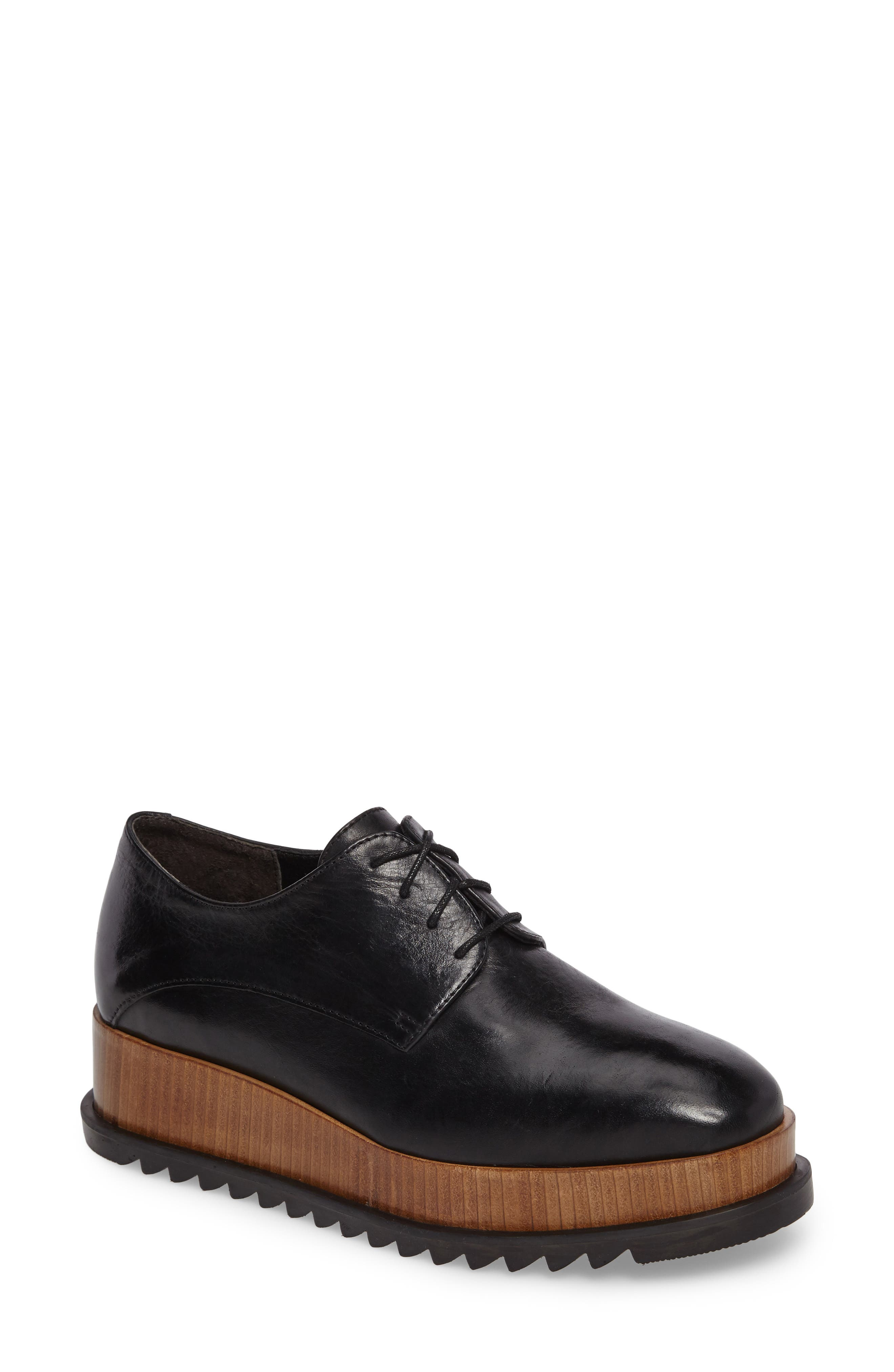 Beaux Platform Derby,                         Main,                         color,