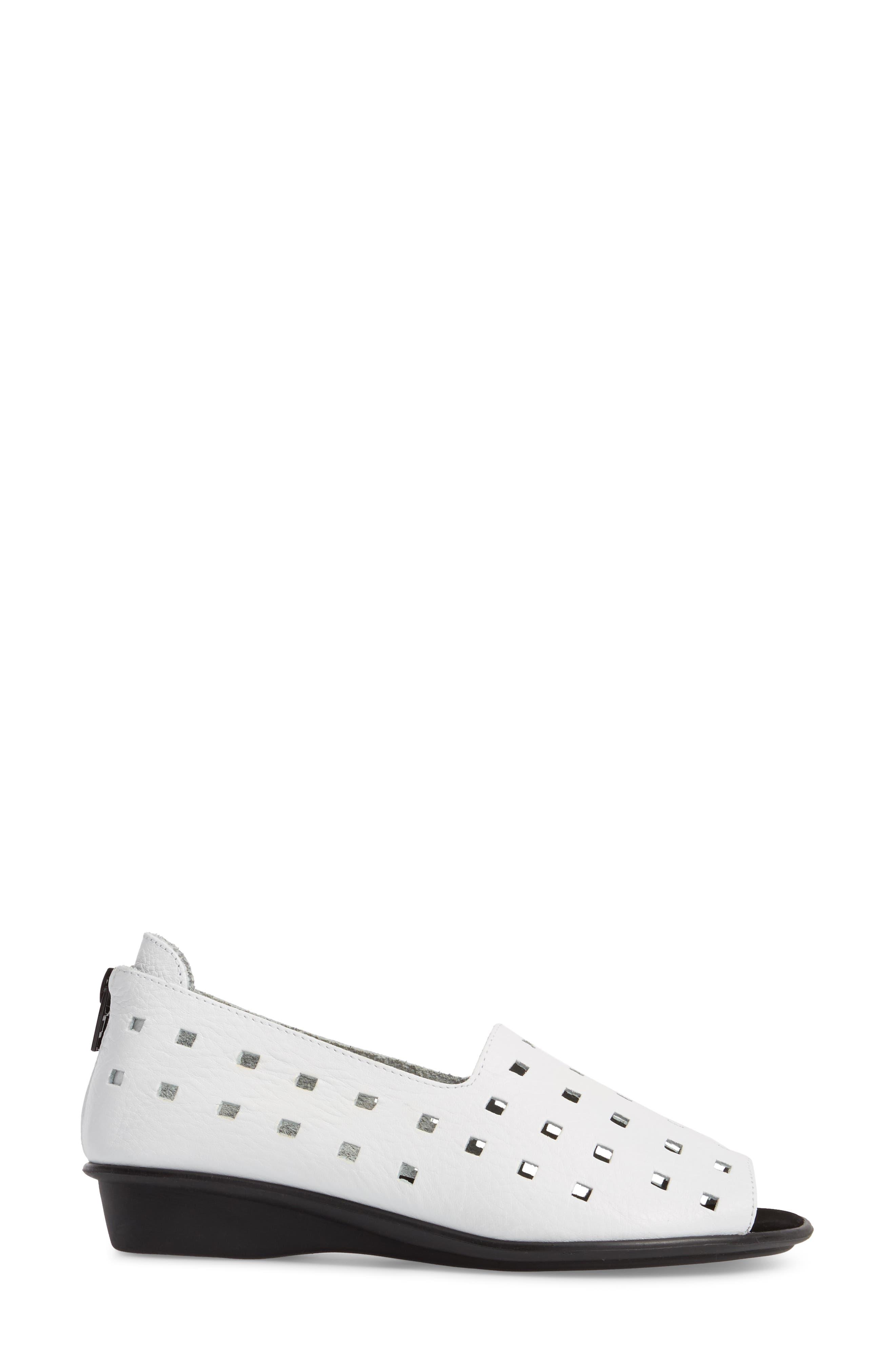 'Evonne' Cutout Open-Toe Flat,                             Alternate thumbnail 3, color,                             WHITE LEATHER