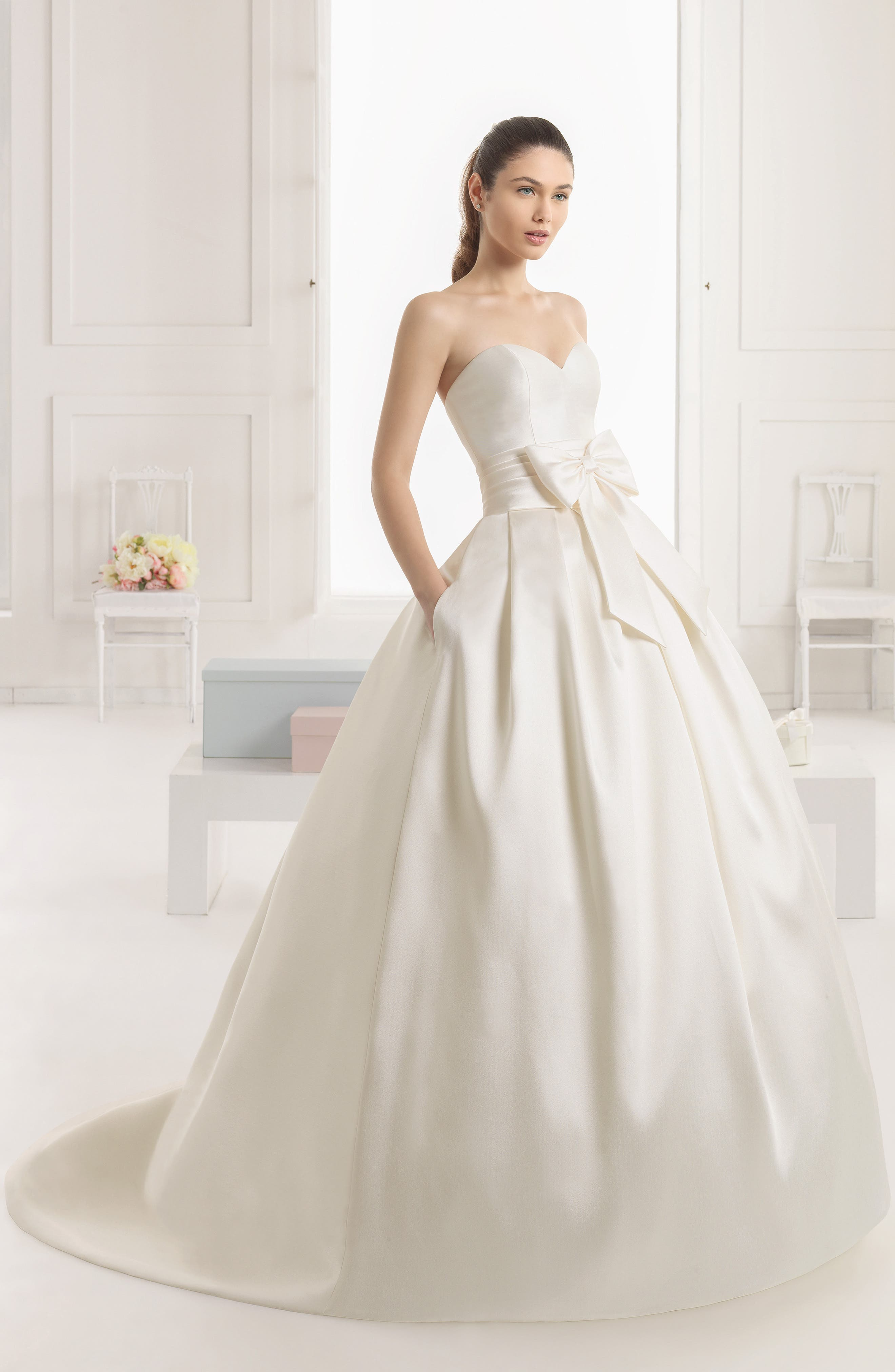 Rosa Clará Enebro Strapless Bow Ballgown Dress,                             Alternate thumbnail 2, color,                             IVORY
