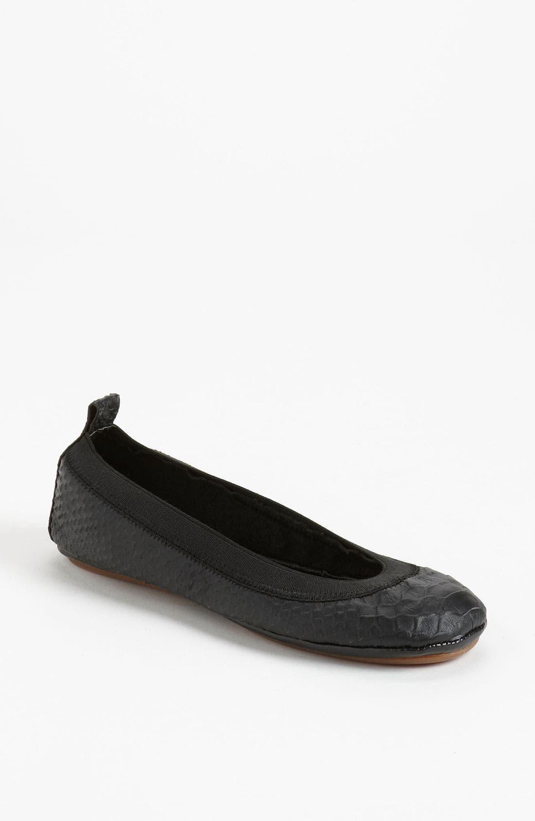 YOSI SAMRA Foldable Ballet Flat, Main, color, 001