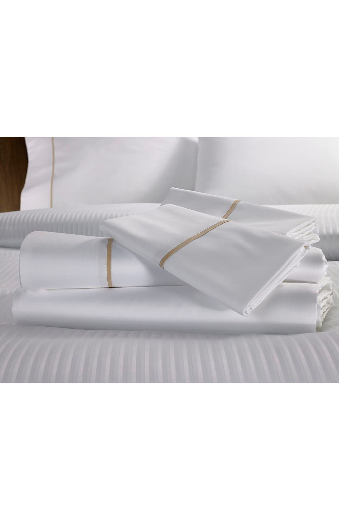 'Ultra Luxe' 600 Thread Count Flat Sheet,                             Main thumbnail 1, color,                             100