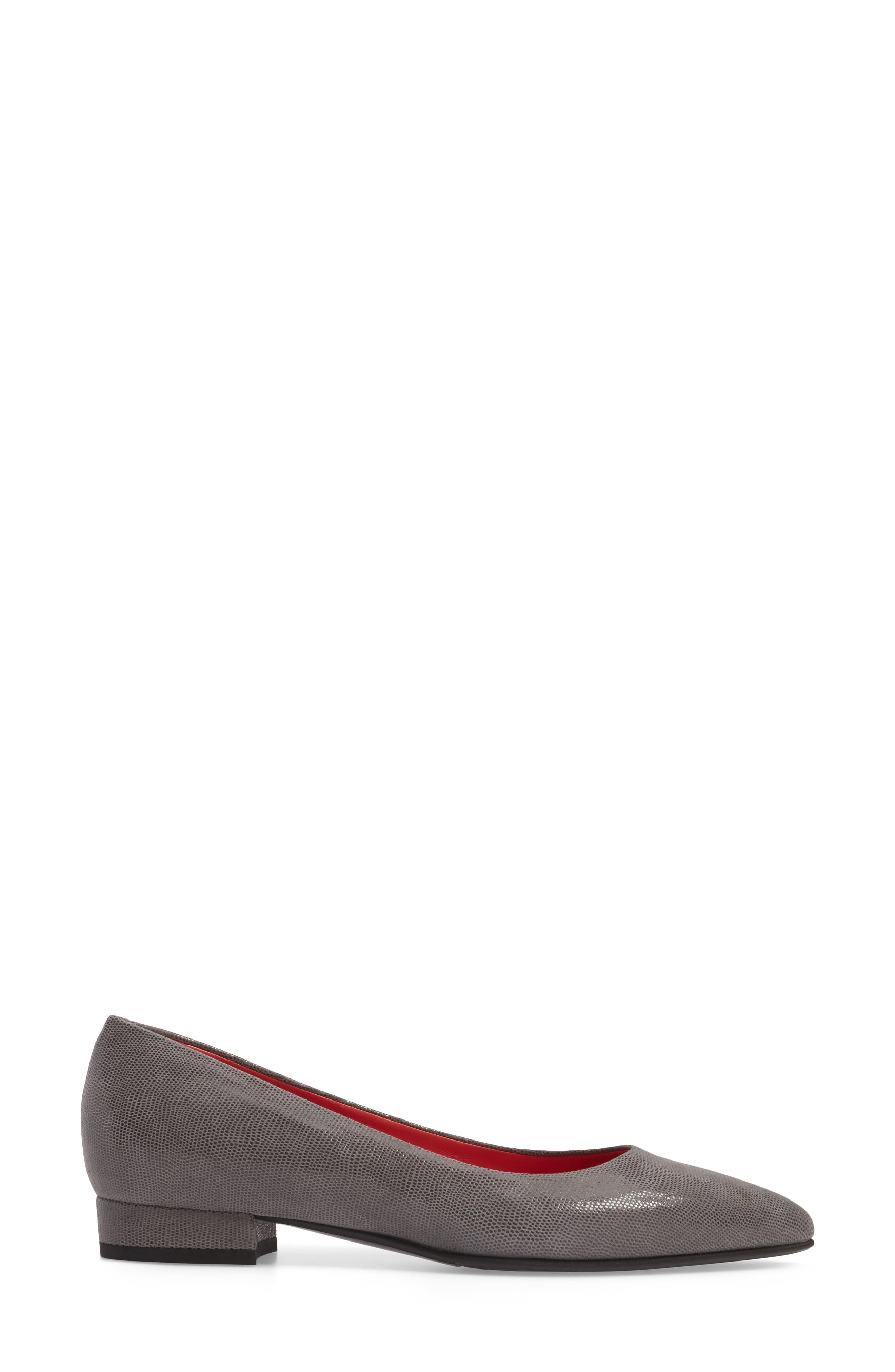 Pointy Toe Low Pump,                             Alternate thumbnail 8, color,