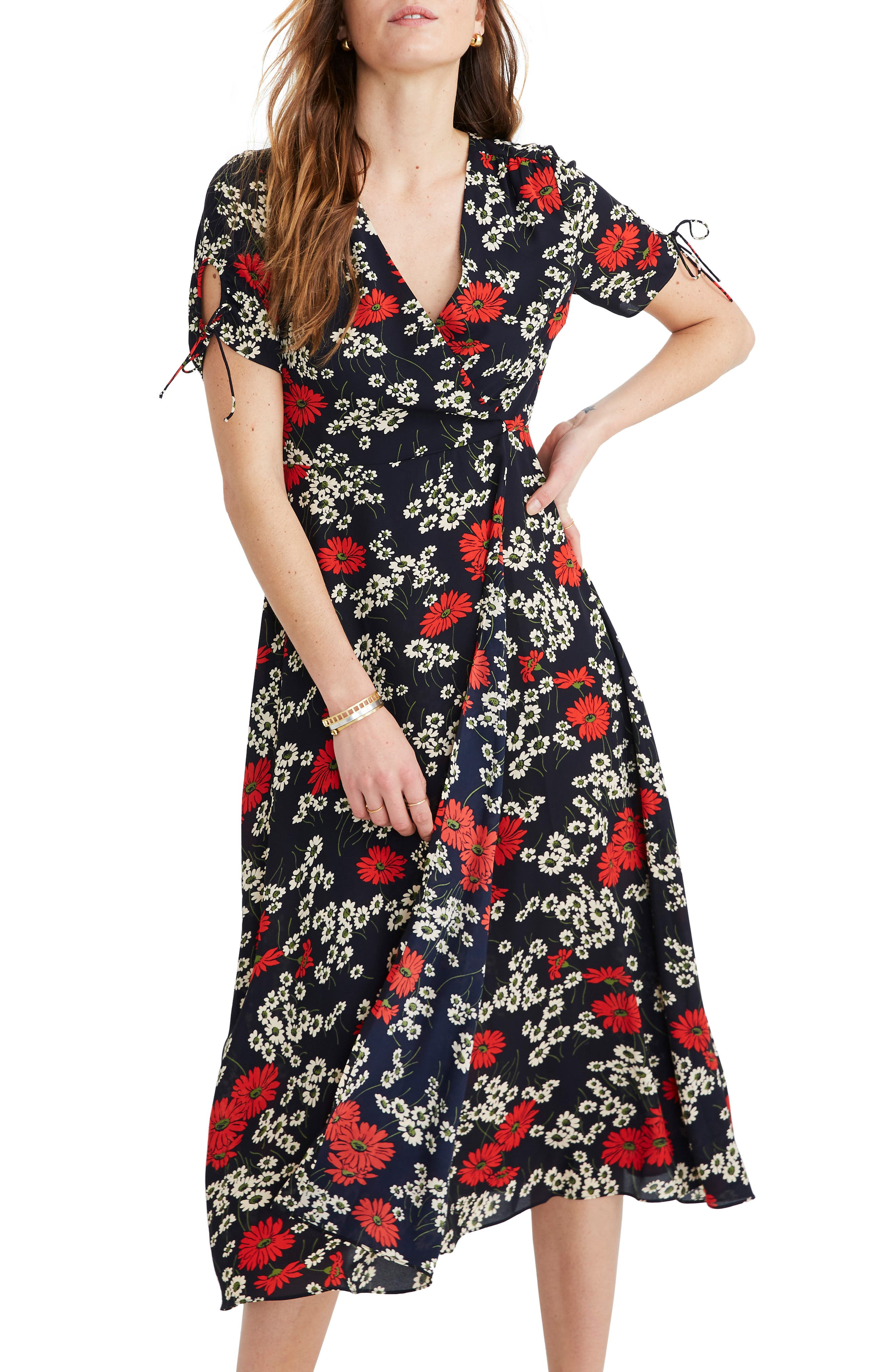 Madewell Hillside Daisies Peekaboo Sleeve Midi Dress, 2 (similar to 20W-2) - Blue