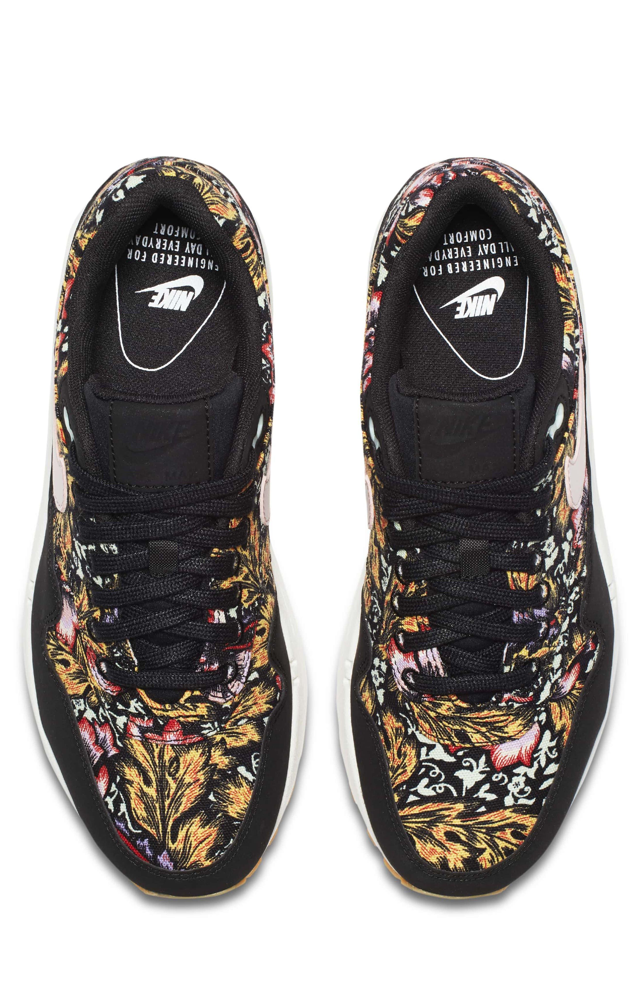 Air Max 1 QS Sneaker,                             Alternate thumbnail 4, color,                             003
