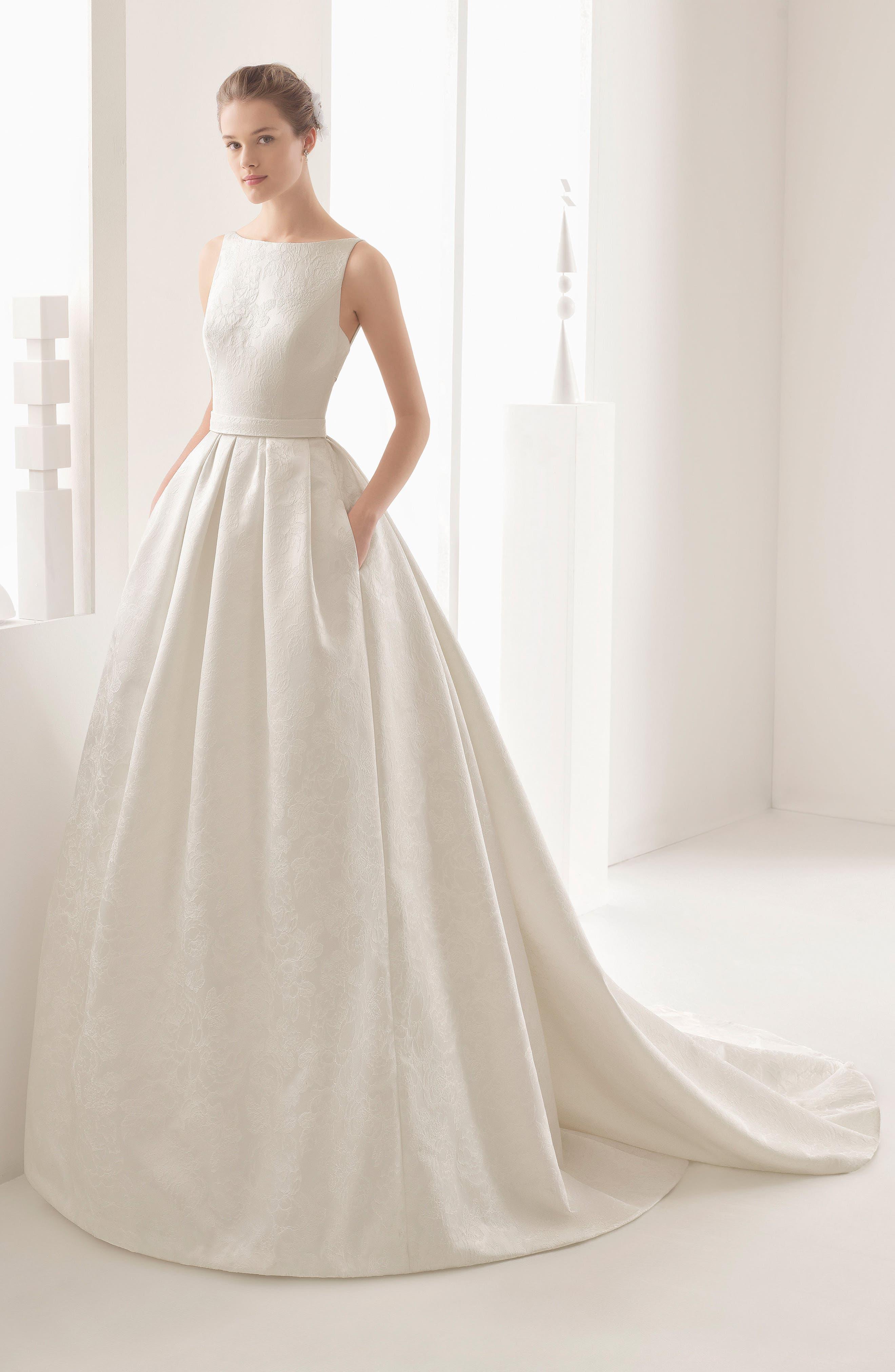 Nazar Floral Brocade Sleeveless Gown,                             Alternate thumbnail 4, color,                             900