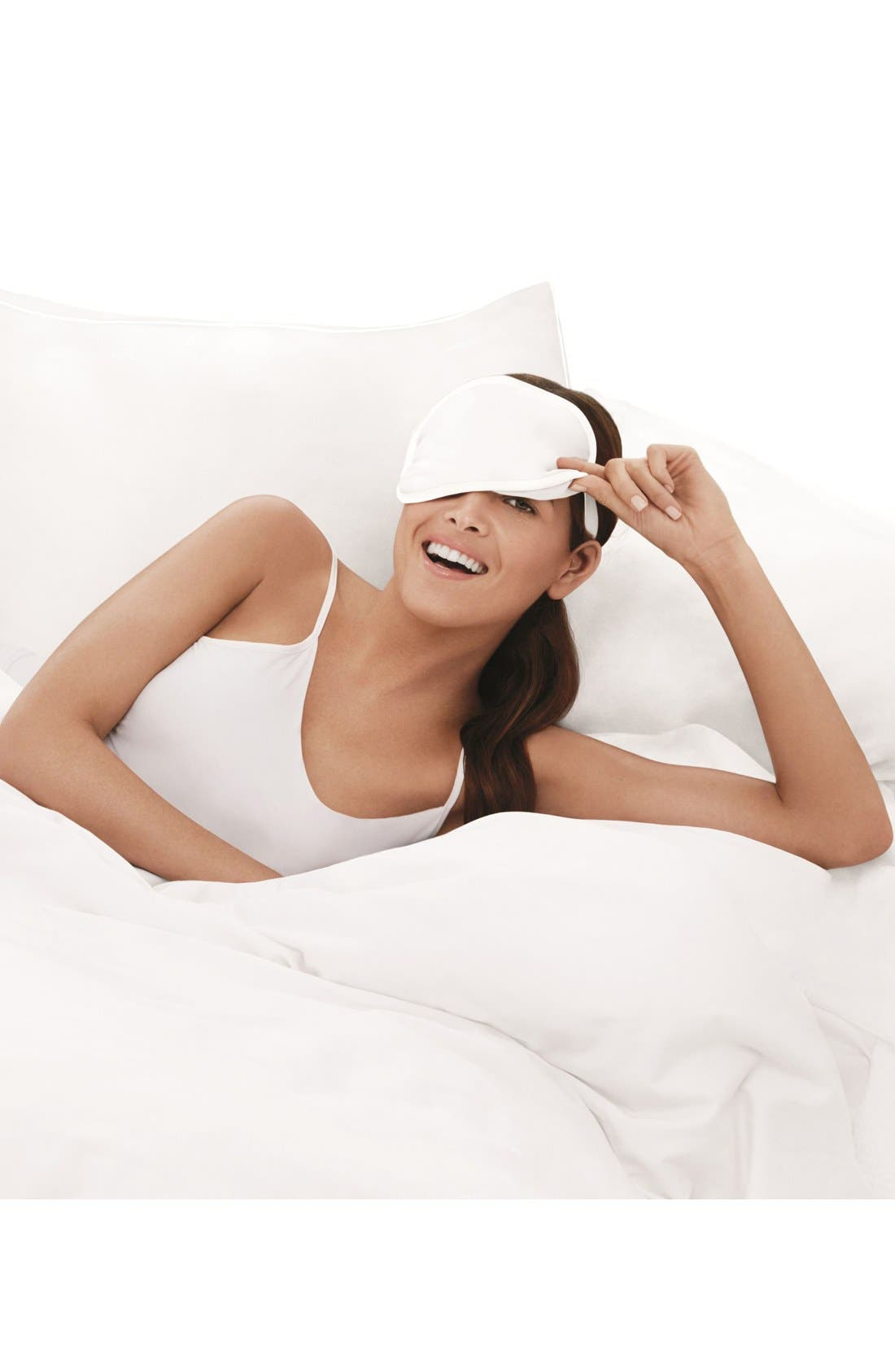 ME,                             Glow Beauty Boosting Pillowcase,                             Alternate thumbnail 3, color,                             000