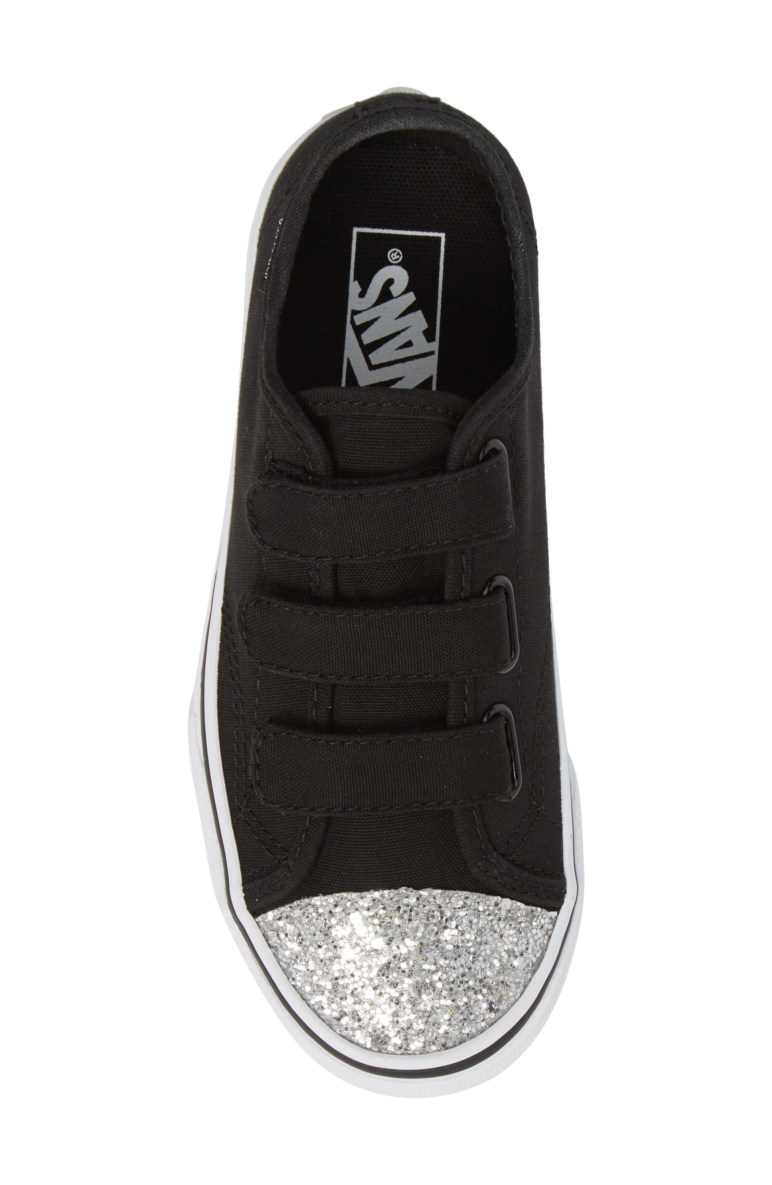 Style 23 V Sneaker,                             Alternate thumbnail 5, color,                             001