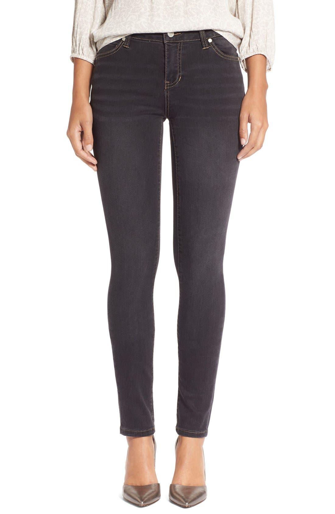 Petite Women's Liverpool Abby Stretch Skinny Jeans