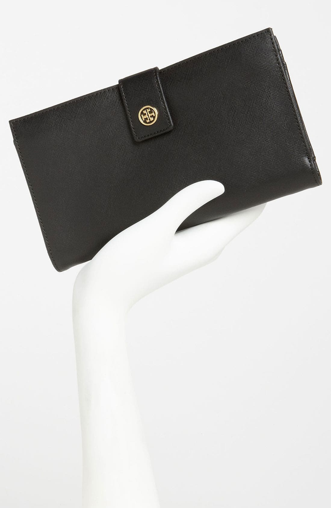TORY BURCH,                             'Robinson' Oversized Travel Wallet,                             Alternate thumbnail 4, color,                             001