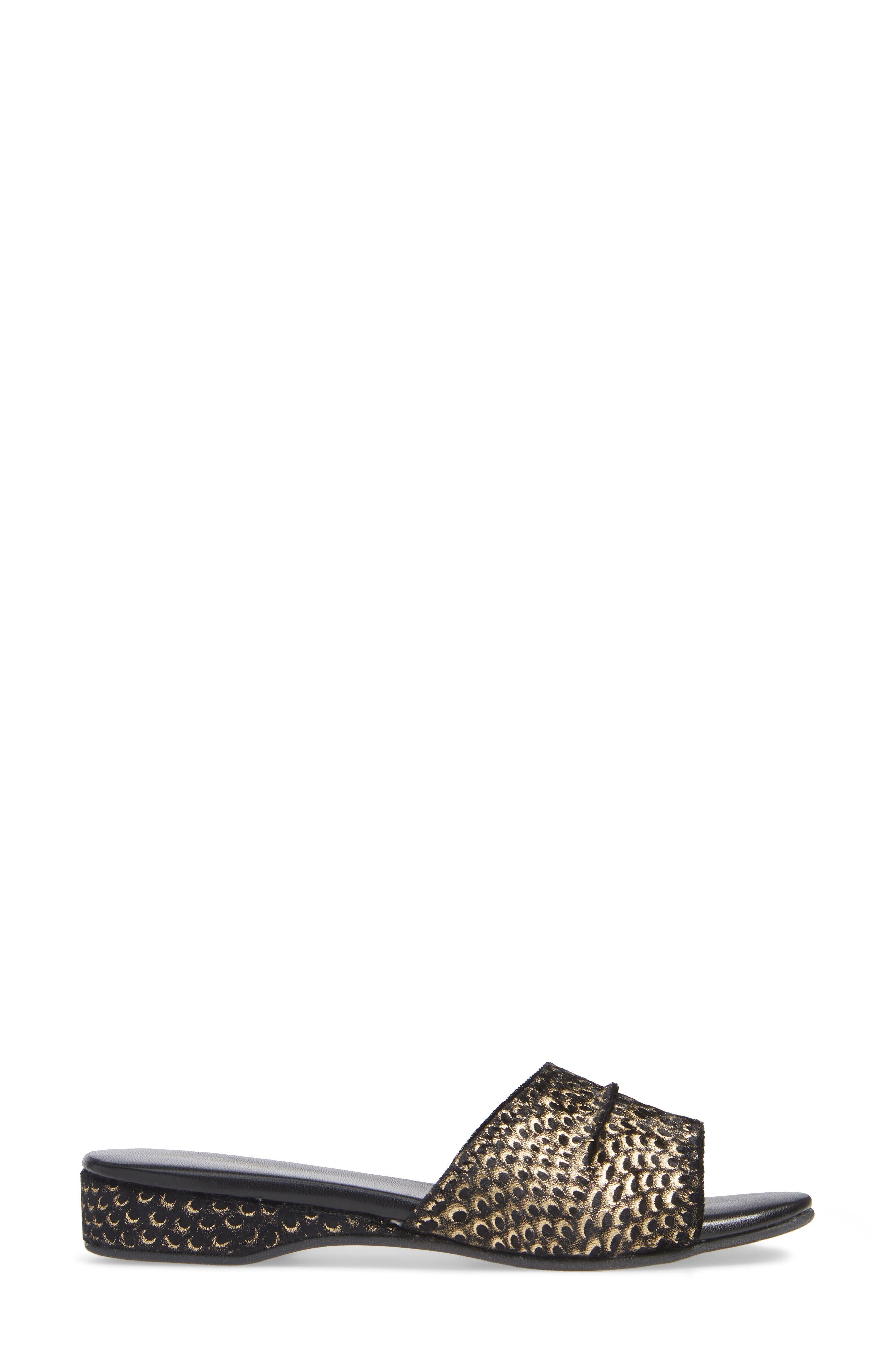 'Dormie' Slipper,                             Alternate thumbnail 3, color,                             001