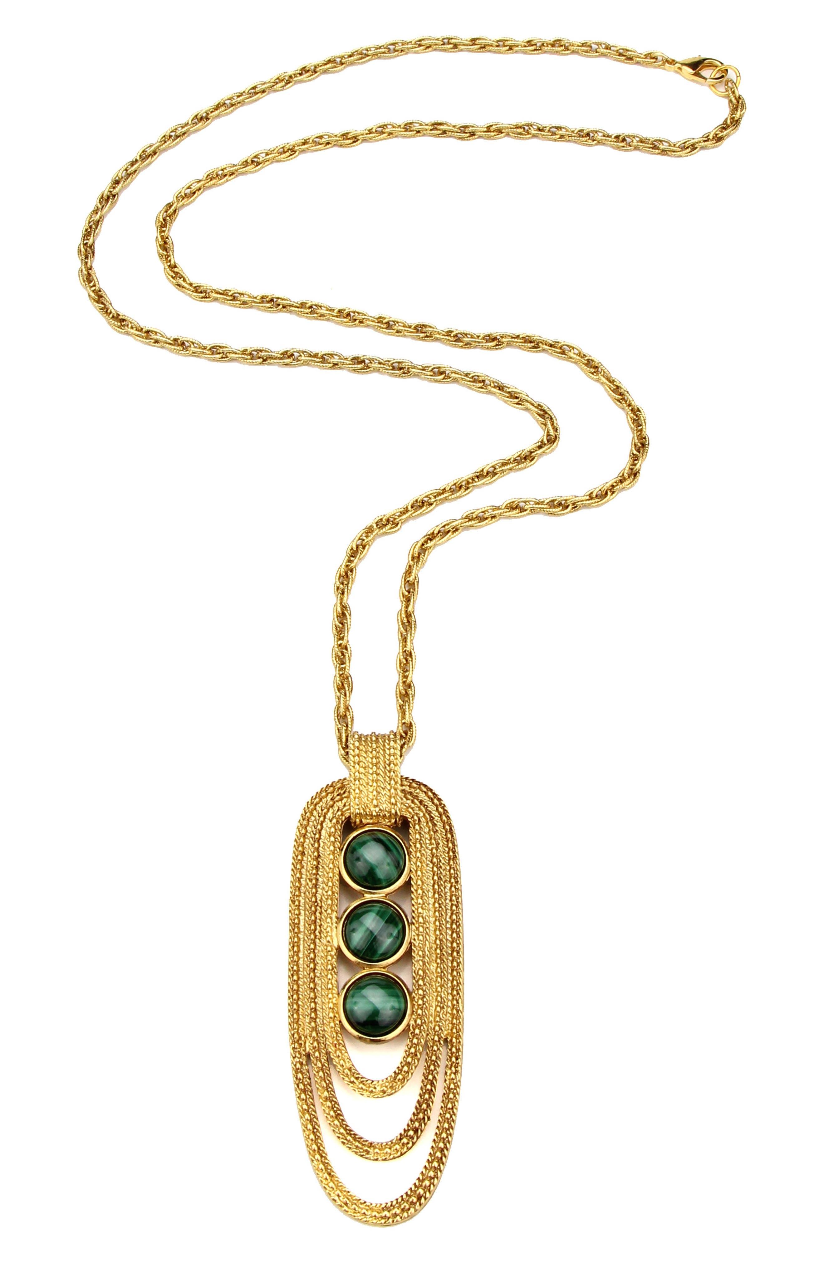 Triple-Malachite Pendant Necklace in Multicolor