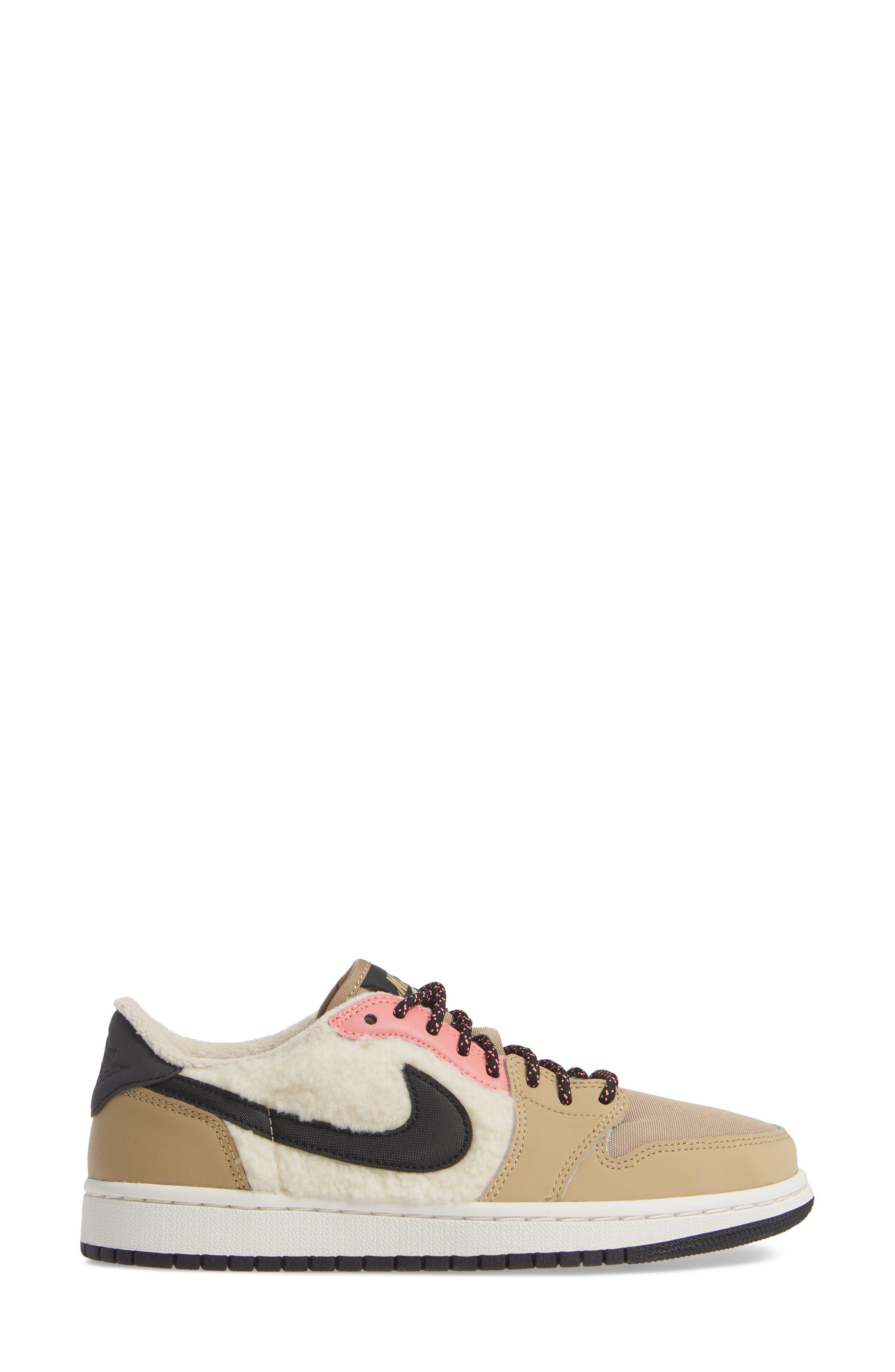 NIKE,                             Air Jordan 1 Retro Low OG Sneaker,                             Alternate thumbnail 3, color,                             200