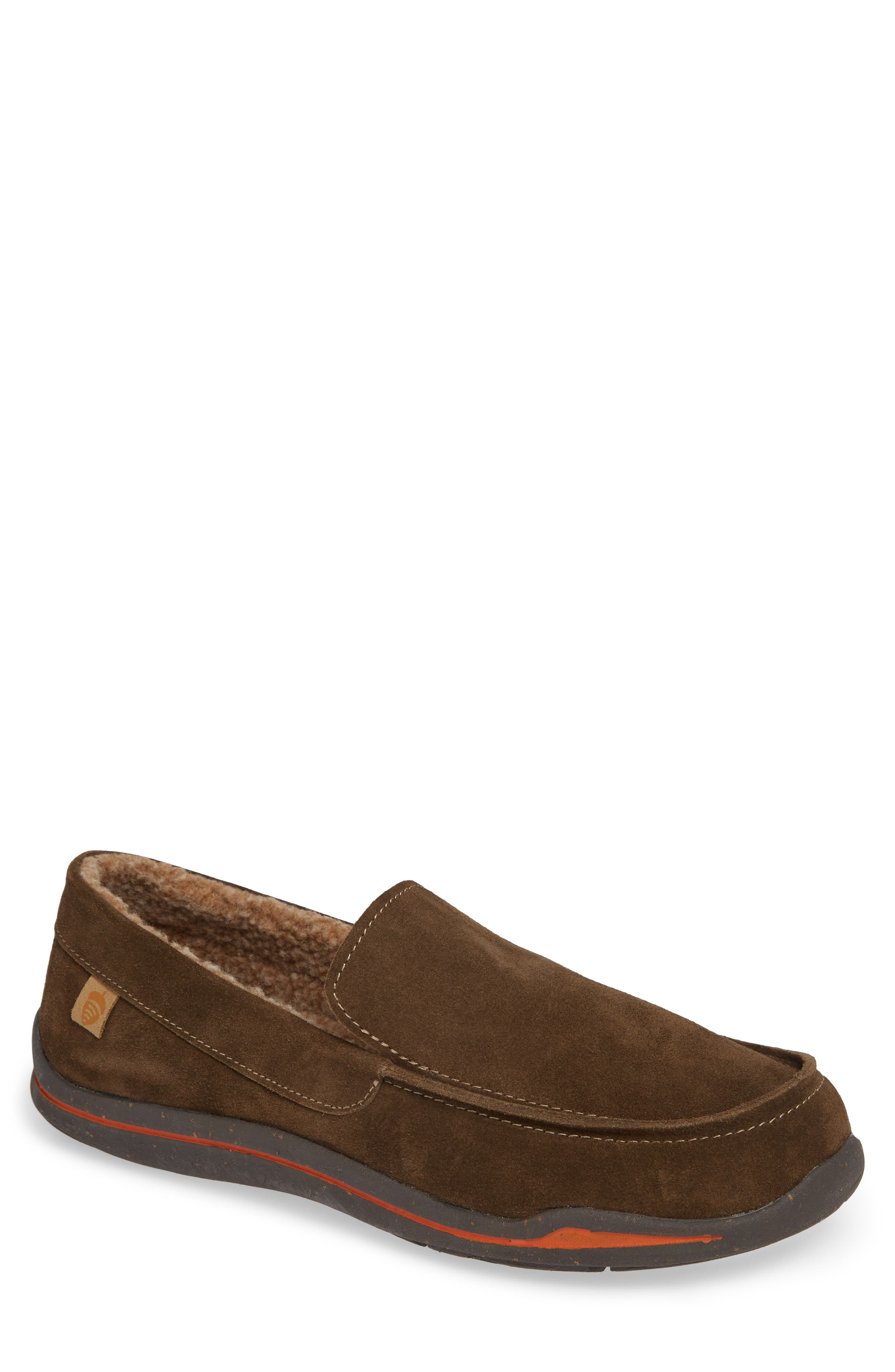 ACORN Ellsworth Moc Toe Slipper in Brown