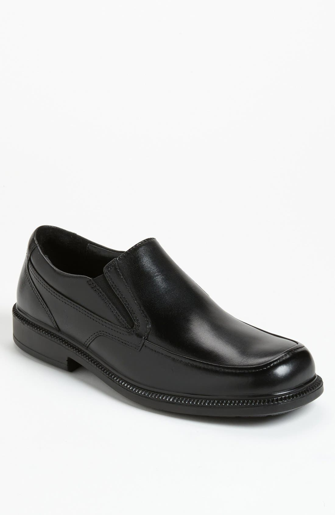 HUSH PUPPIES<SUP>®</SUP> 'Leverage' Waterproof Slip-On, Main, color, 001