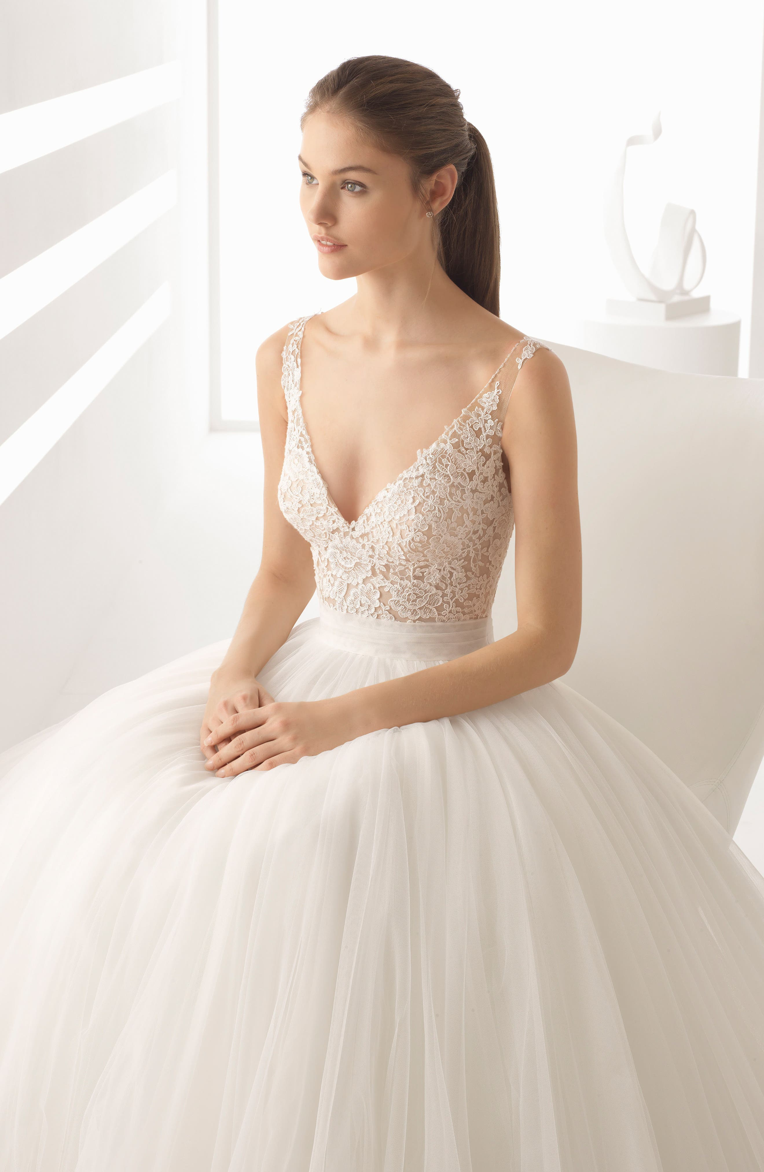 Rosa Clará Alejo V-Neck Lace & Tulle Ballgown,                             Alternate thumbnail 3, color,                             NATURAL/NUDE