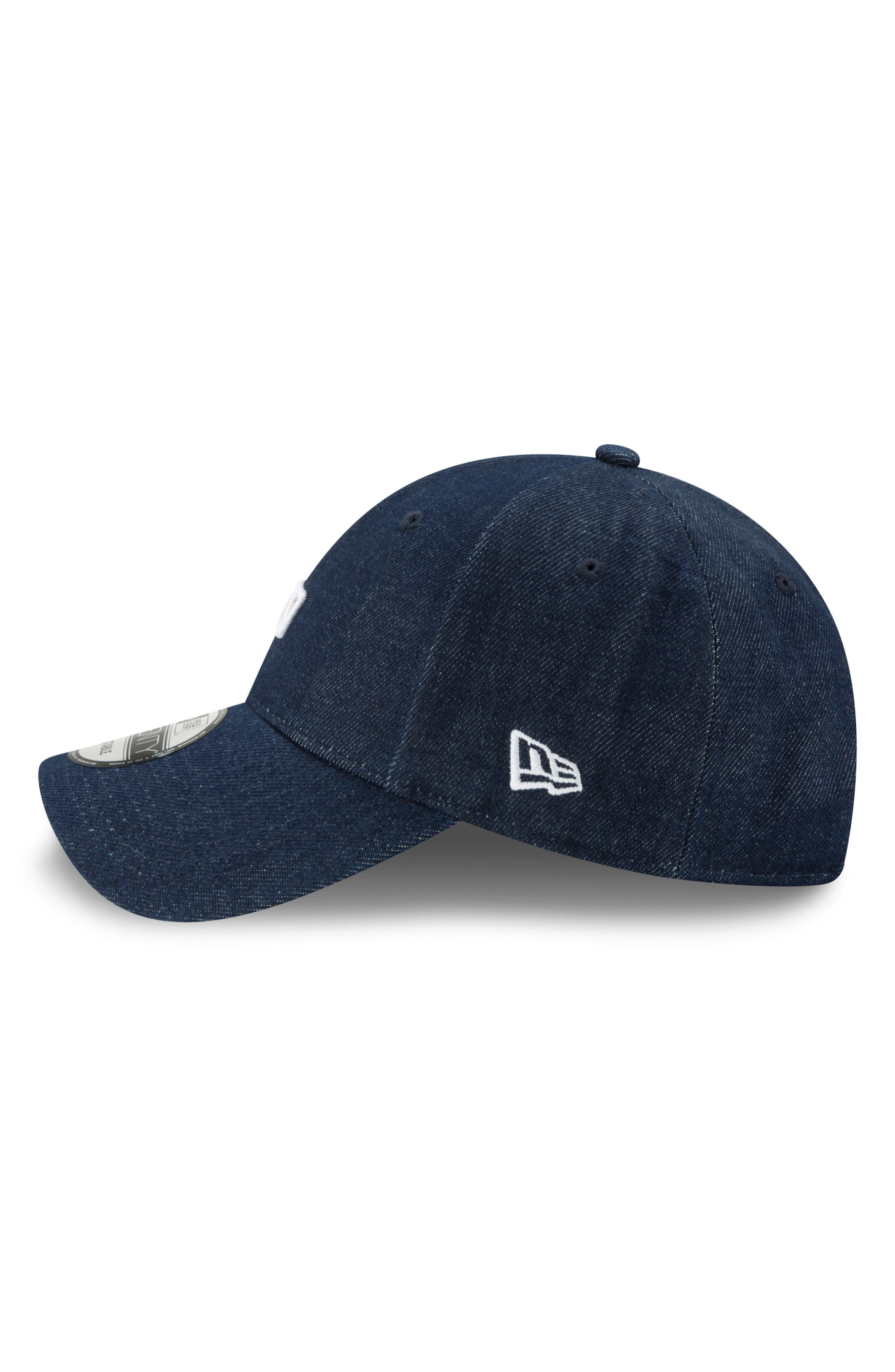 x Levi's<sup>®</sup> MLB Micro Batterman Baseball Cap,                             Alternate thumbnail 3, color,                             BLACK