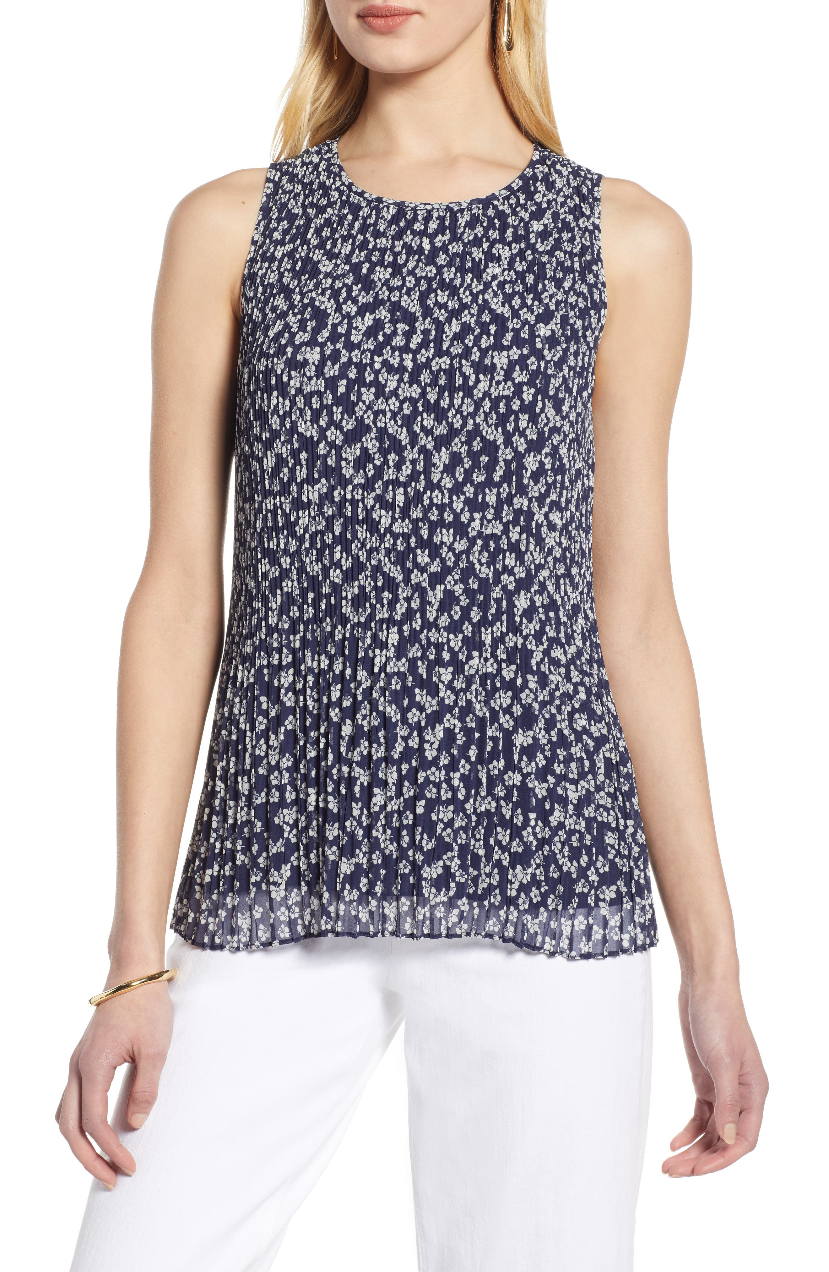 HALOGEN<SUP>®</SUP>,                             Pleated Top,                             Main thumbnail 1, color,                             NAVY FLORAL