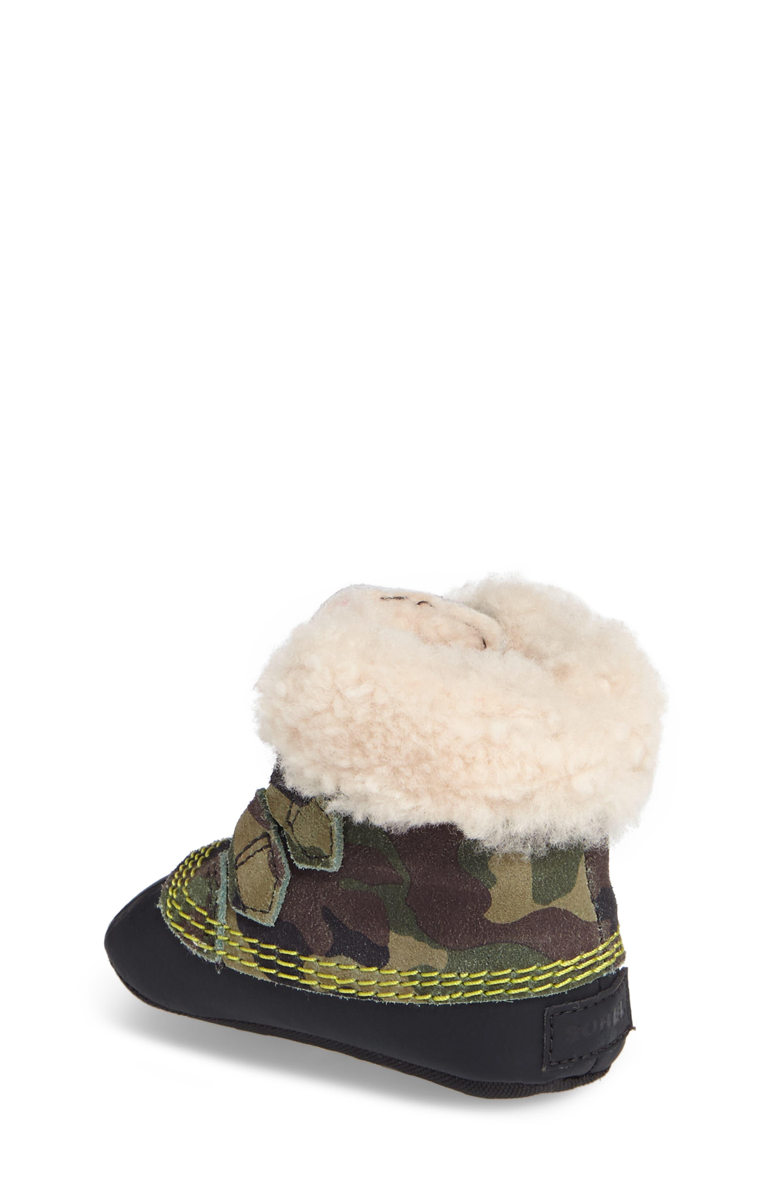 Caribootie Genuine Shearling Crib Shoe,                             Alternate thumbnail 10, color,