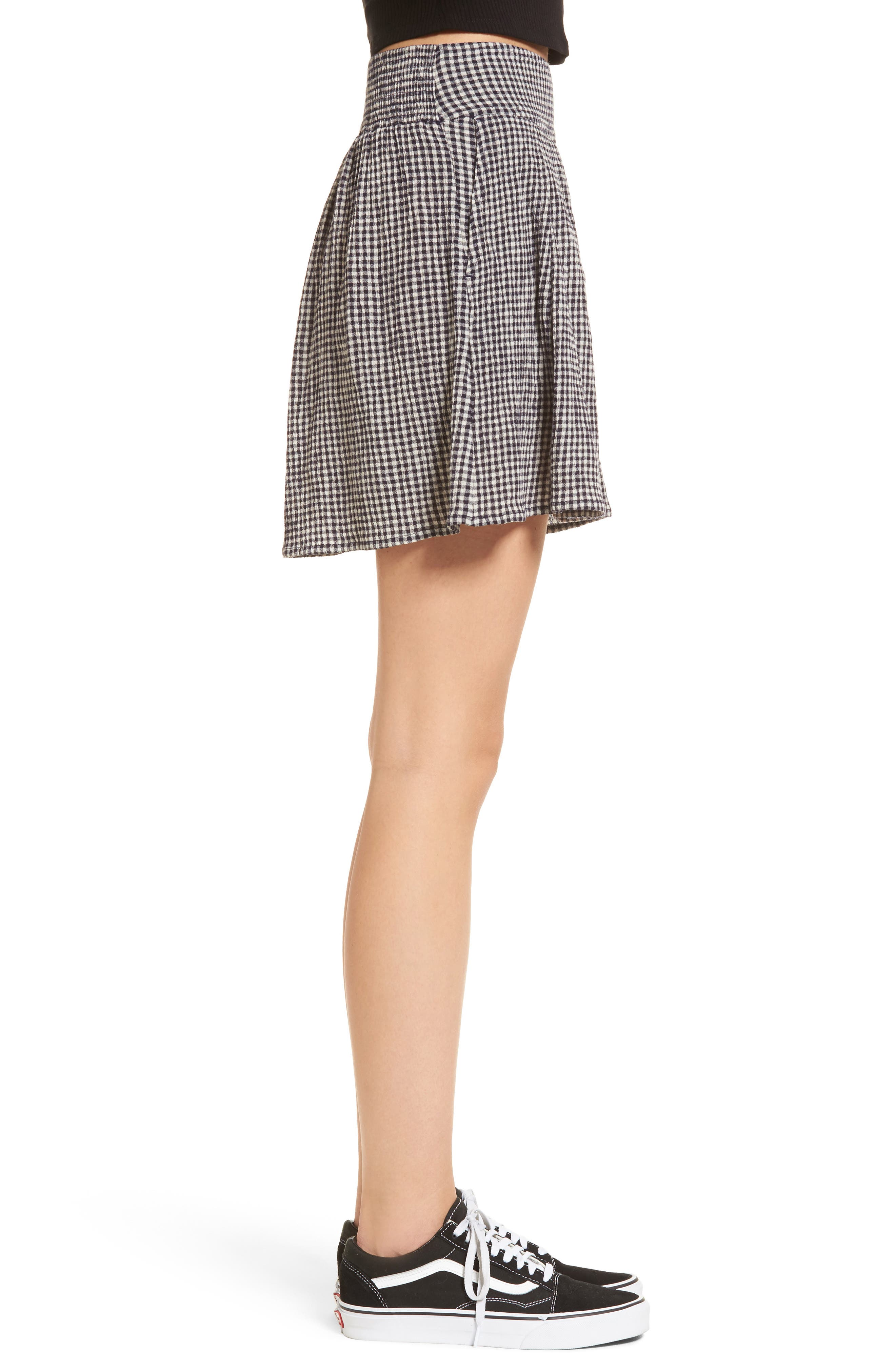 Pleated Gingham Shorts,                             Alternate thumbnail 3, color,                             001